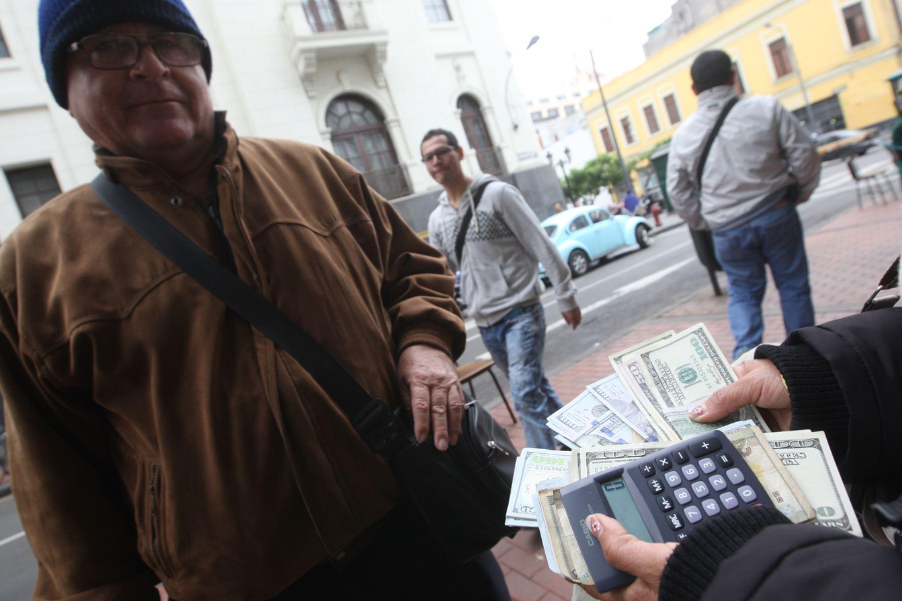 Cambista.Foto:  ANDINA/Juan Carlos Guzmán
