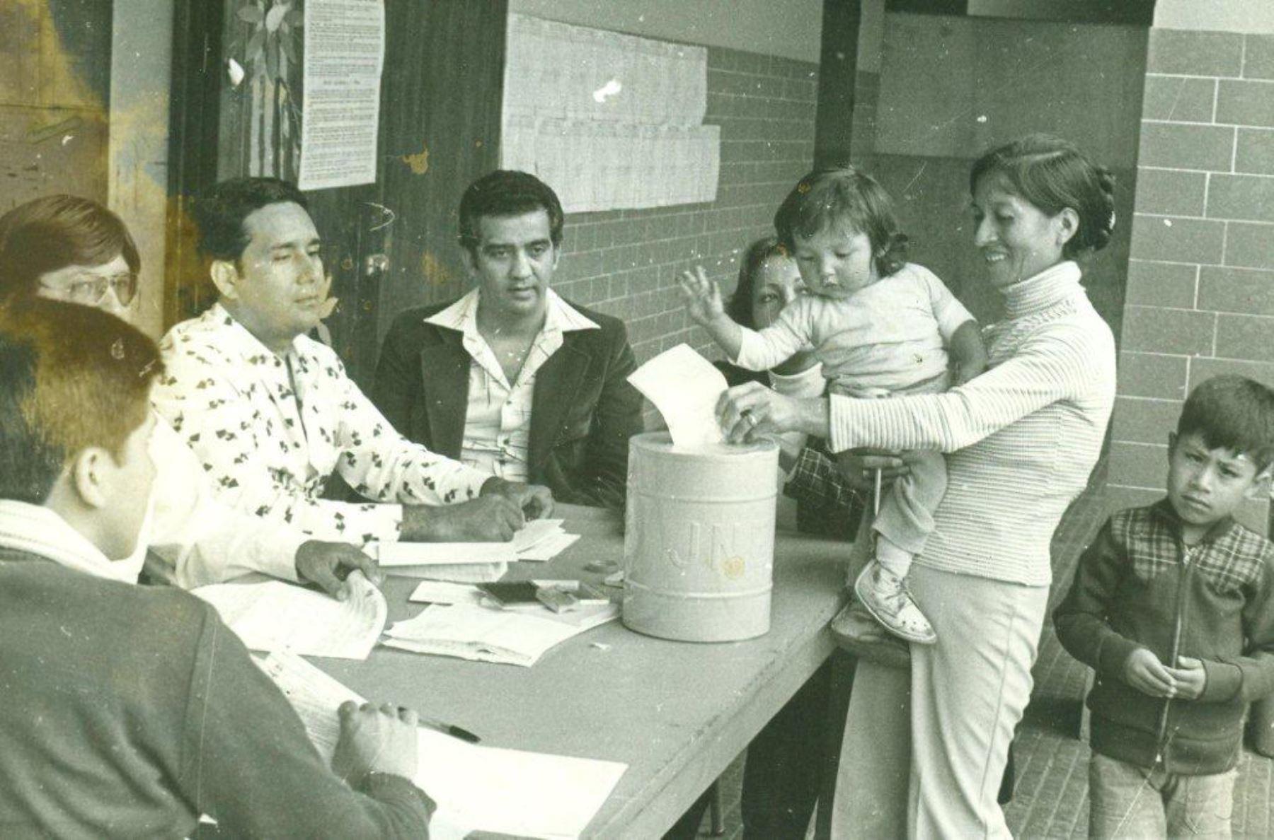 Votando en 1978. Foto: Difusión