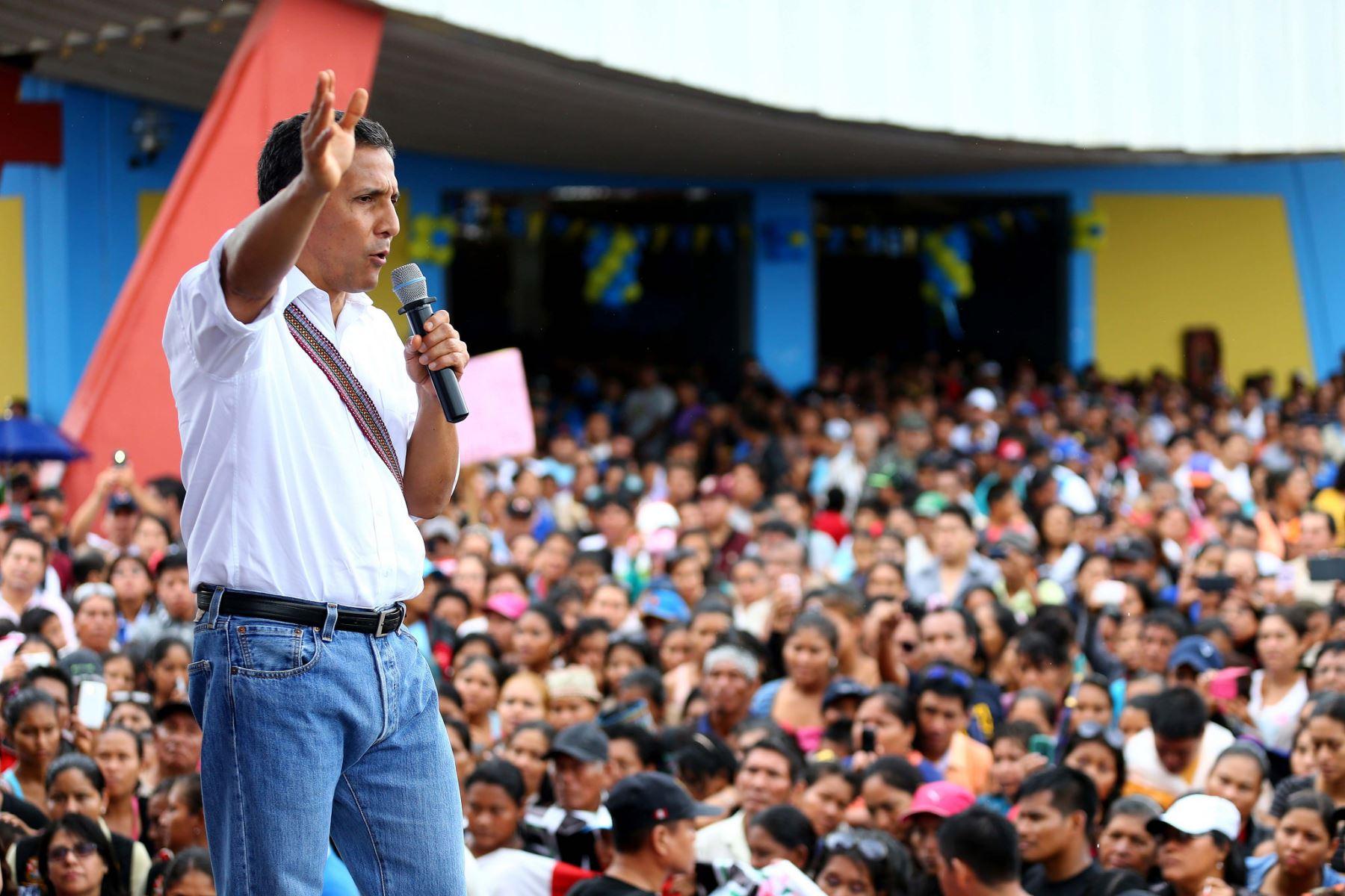 Presidente Ollanta Humala inaugura mercado en Pucallpa.