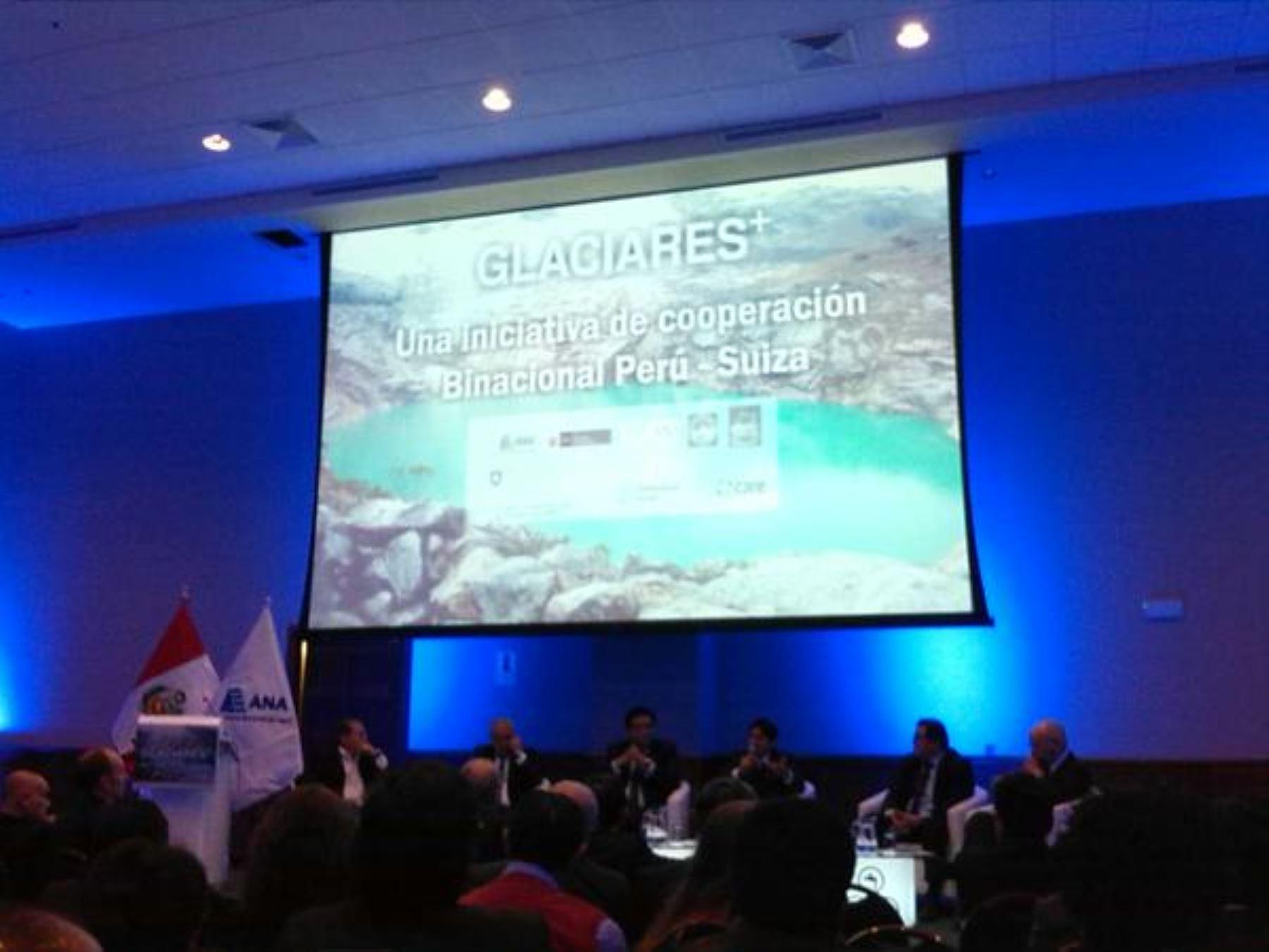 Conversatorio sobre segunda fase de Proyecto Glaciares, destinado a mejorar capacidad de adaptación y reducción de riesgos relacionados al retiro de glaciares en el Perú.