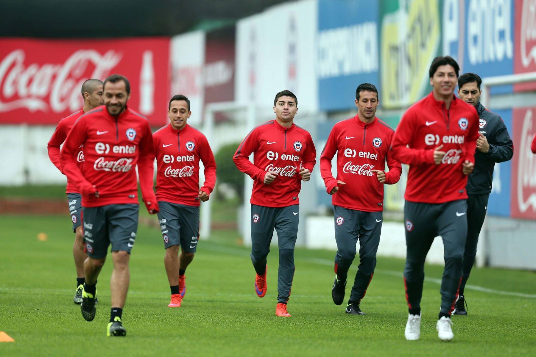 Selección chilena ya entrena con miras a clásico del ...