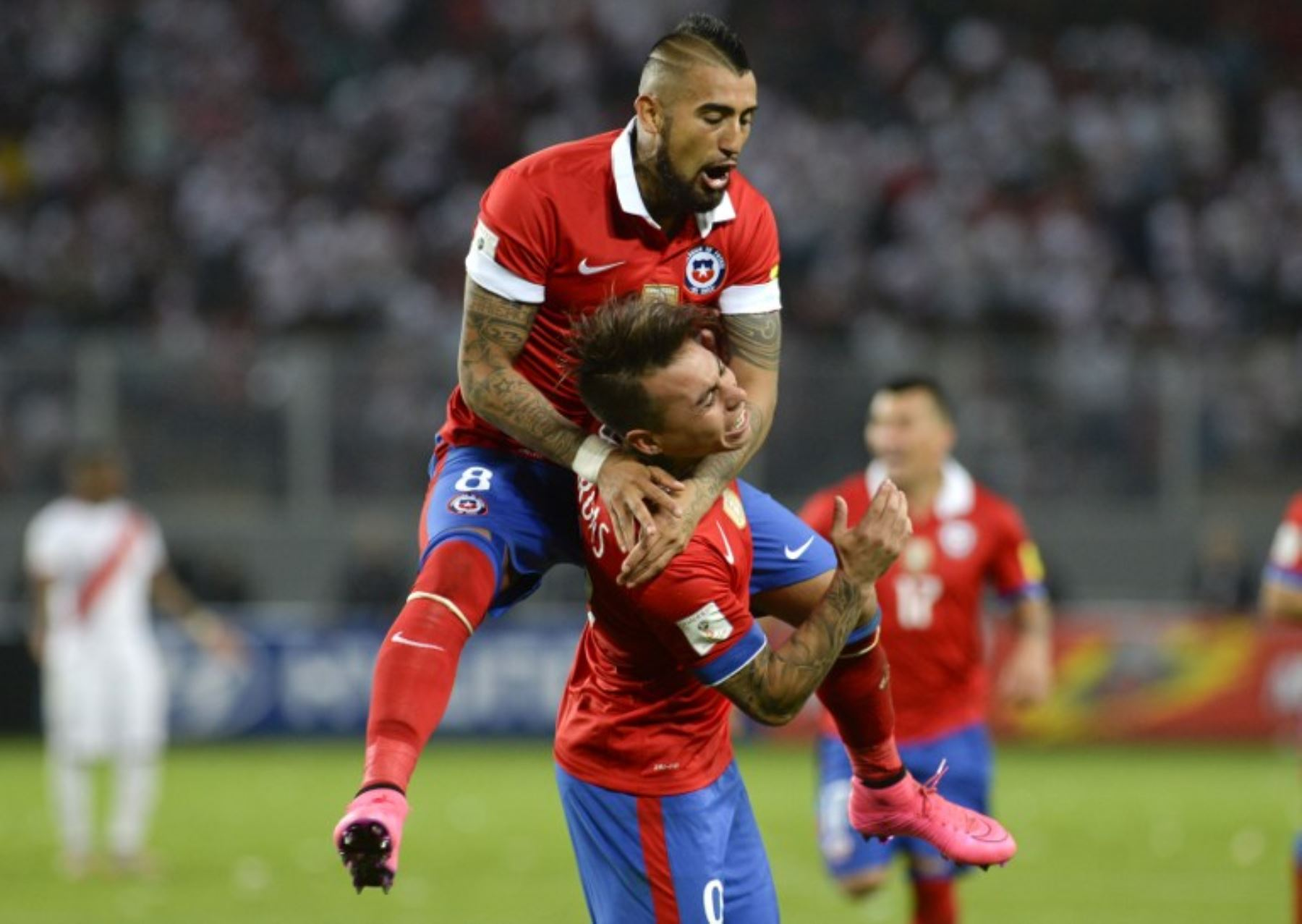 Chilenos son líderes de la eliminatoria