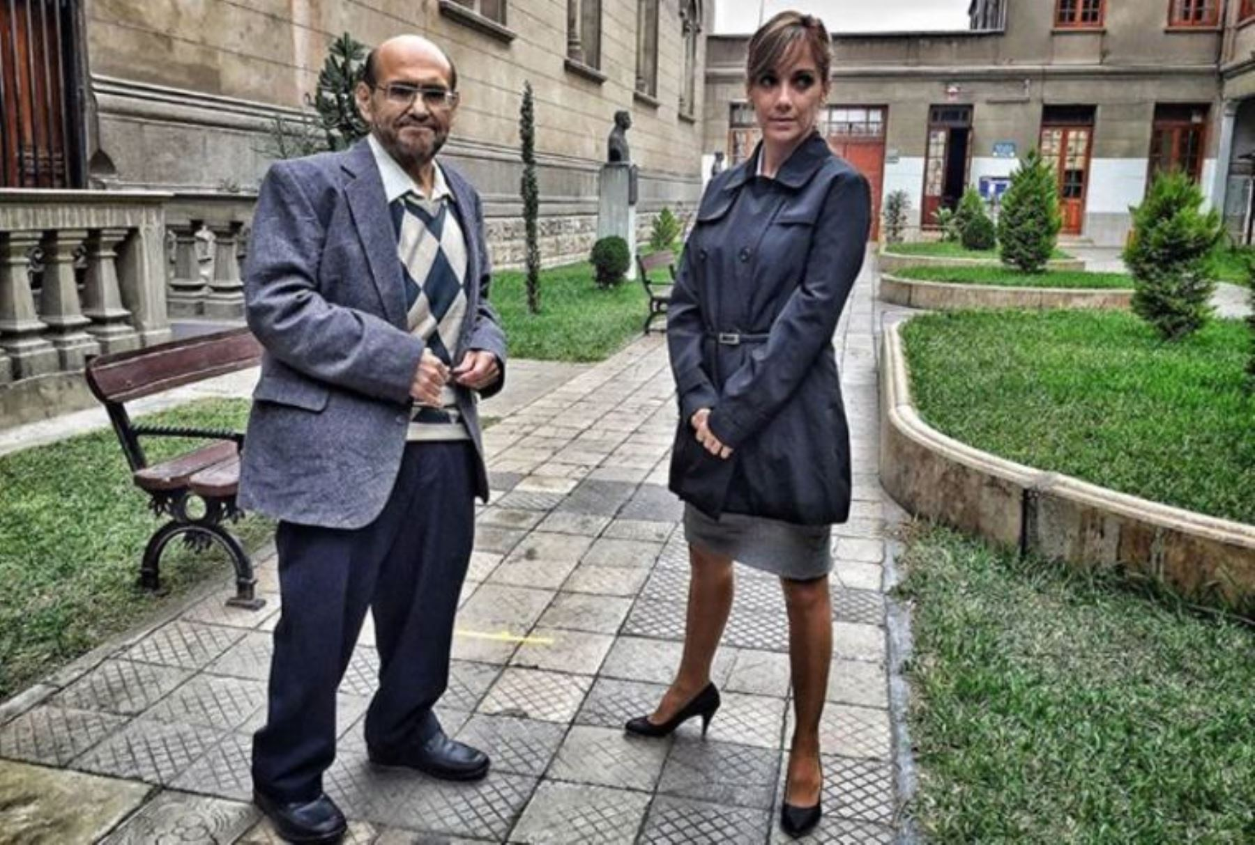 """Edgard Vivar y Milene Vásquez en una escena de """"Cementerio General 2"""". Foto: ANDINA/Difusión."""
