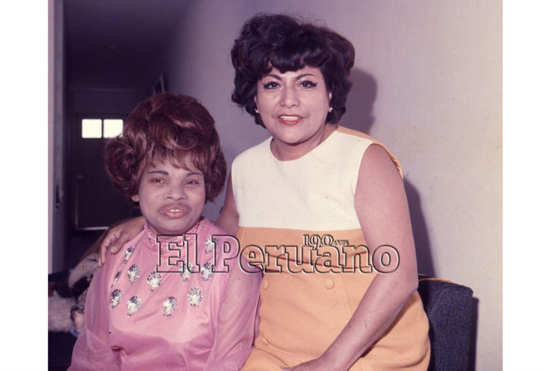 Cantantes Lucha Reyes y Jesús Vásquez. Foto: Archivo Histórico El Peruano.