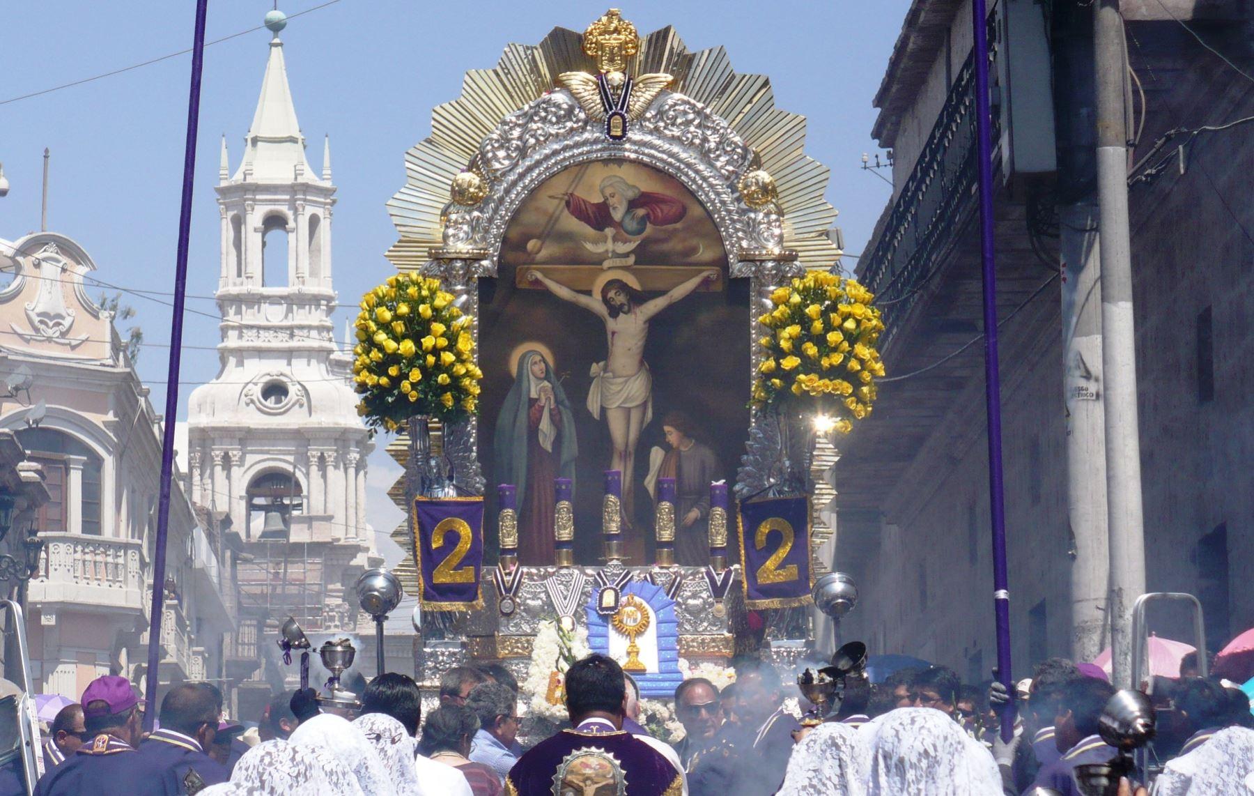 Recorrido de la procesión del Señor de los Milagros en diversas regiones del Perú. ANDINA/archivo