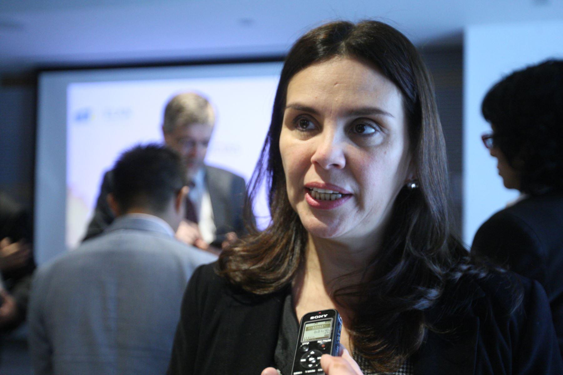 LIMA, PERÚ - NOVIEMBRE11. Declaraciones de María Rosa Morán Macedo, representante de ELAN.Foto: ANDINA/Juan Carlos Guzmán Negrini.