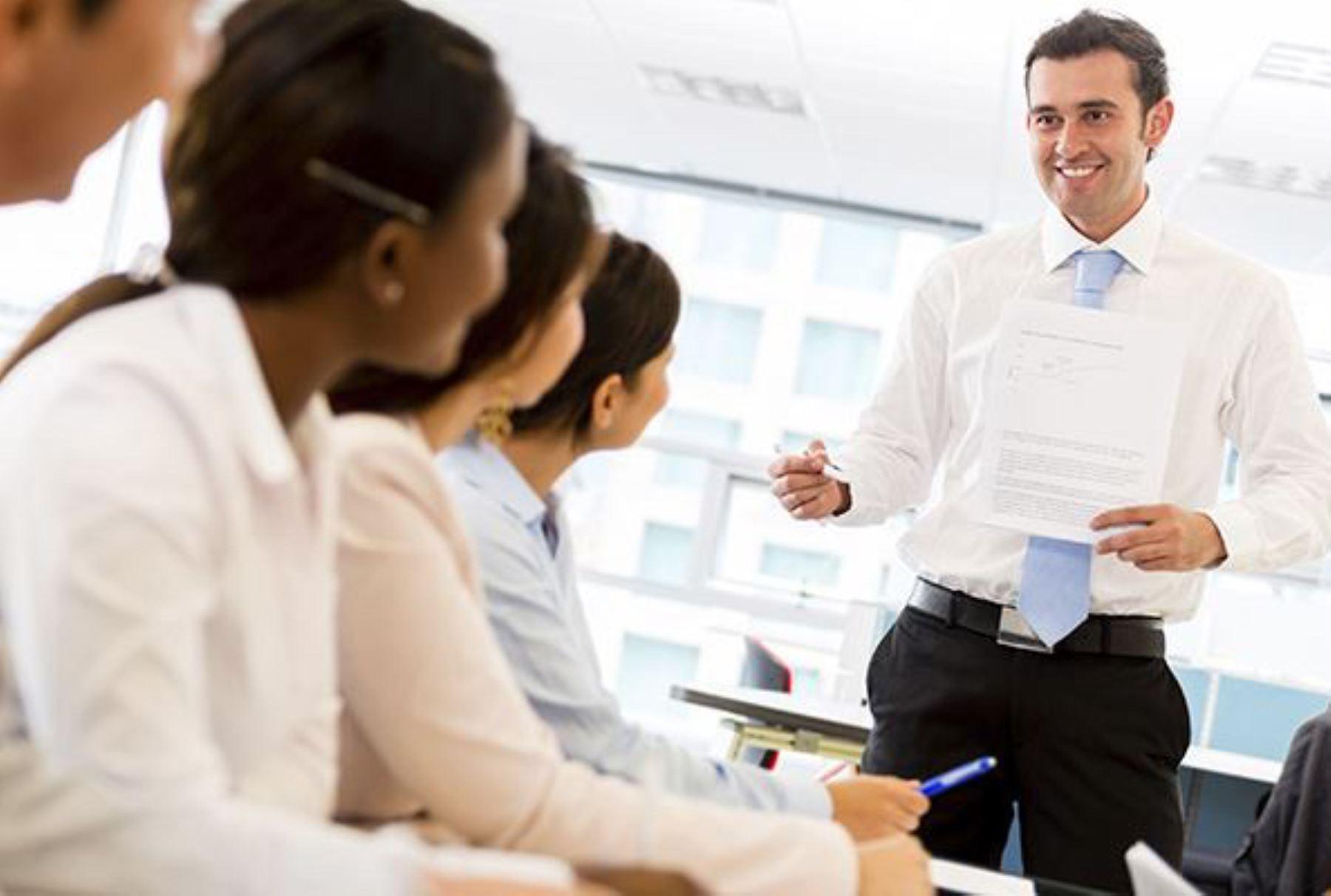 Los líderes corporativos están en una constante competencia para posicionarse en el marcador con los salarios más atractivos. INTERNET/Medios