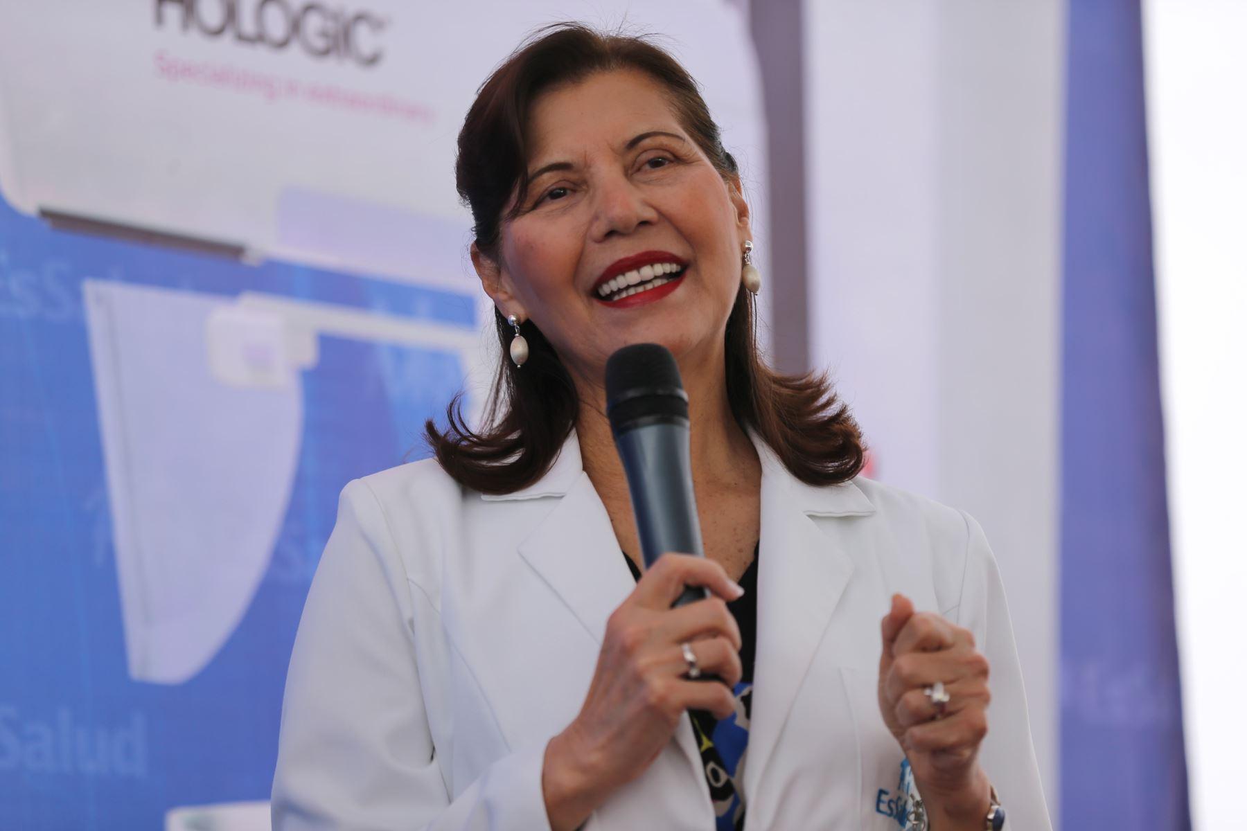 Presidenta de Essalud, Virginia Baffigo. Foto: ANDINA/Norman Córdova
