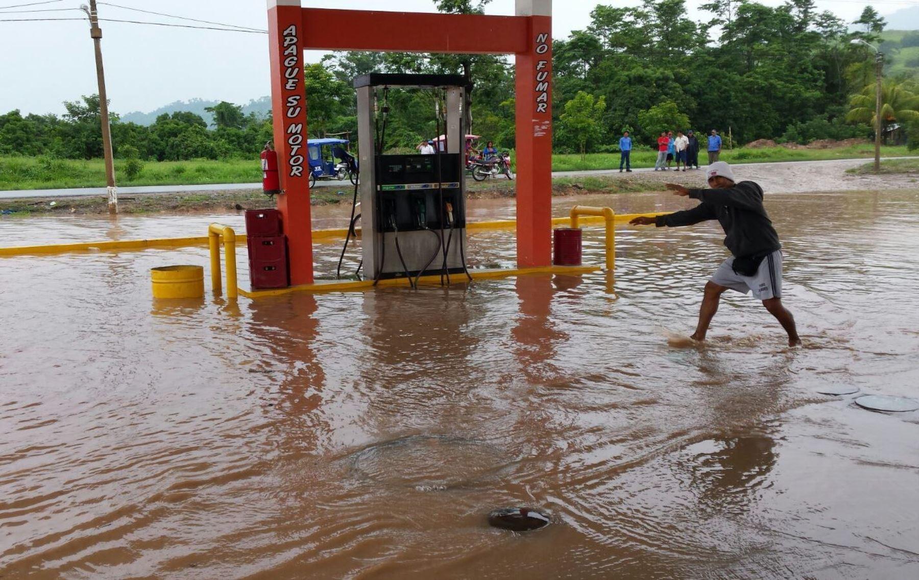 Desborde de ríos en región San Martín dejan varias familias damnificadas al inundar sus viviendas.