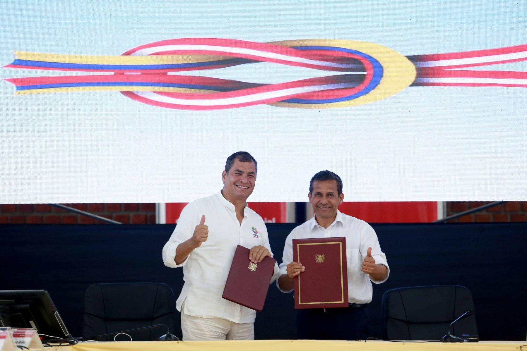 Presidentes de Perú, Ollanta Humala, y de Ecuador, Rafael Correa, en IX Gabinete Binacional.