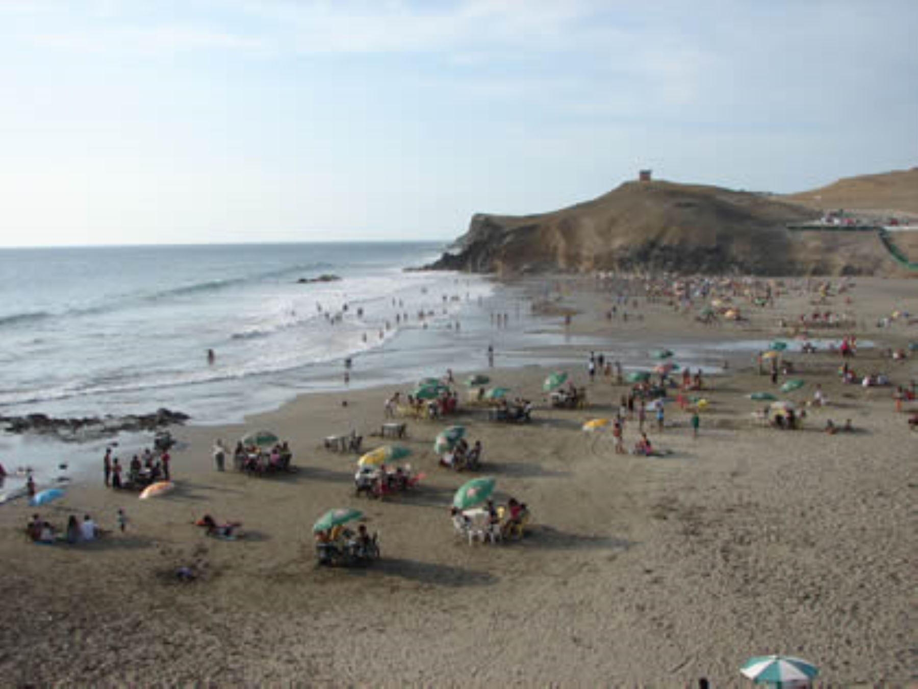 Playa Hornillos, en Huacho
