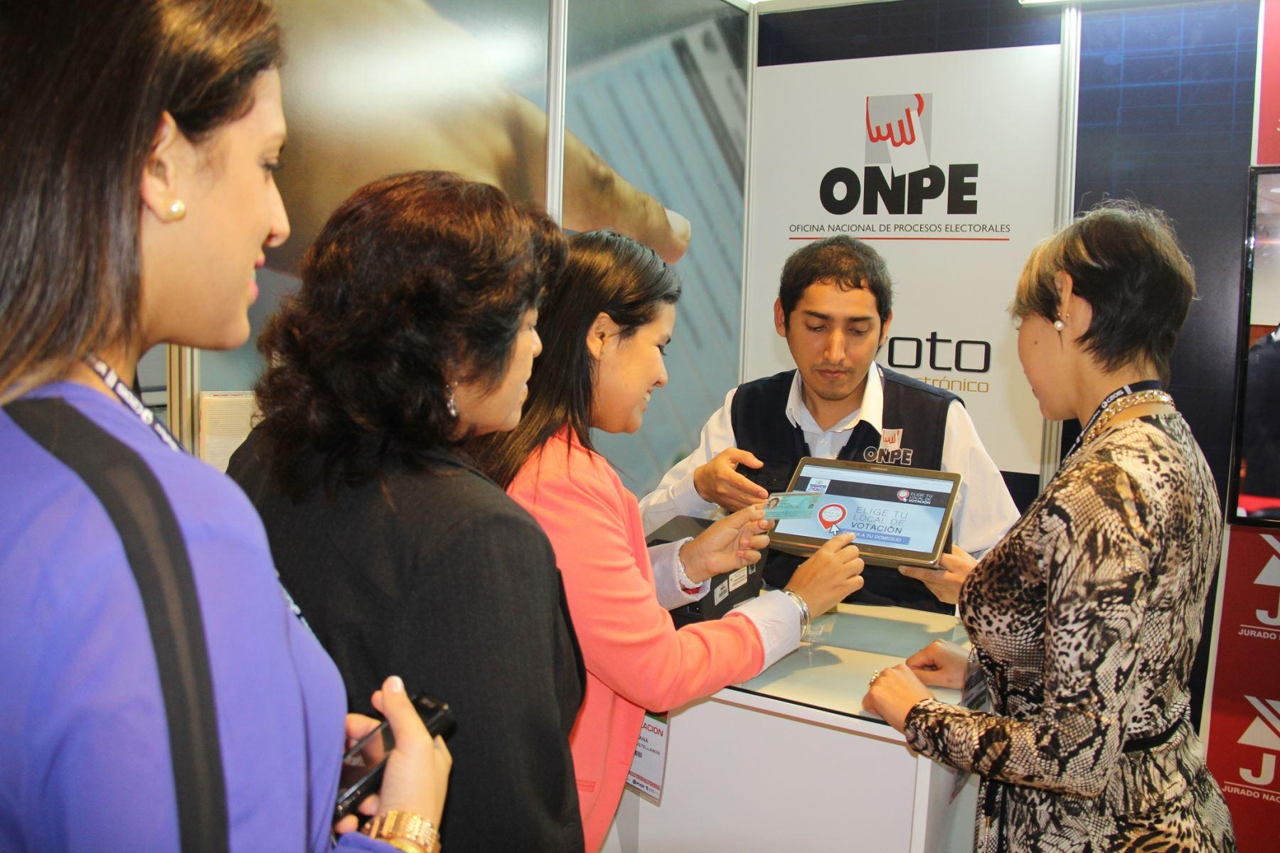 Ciudadanos pueden elegir local de votación con aplicativo de la ONPE.