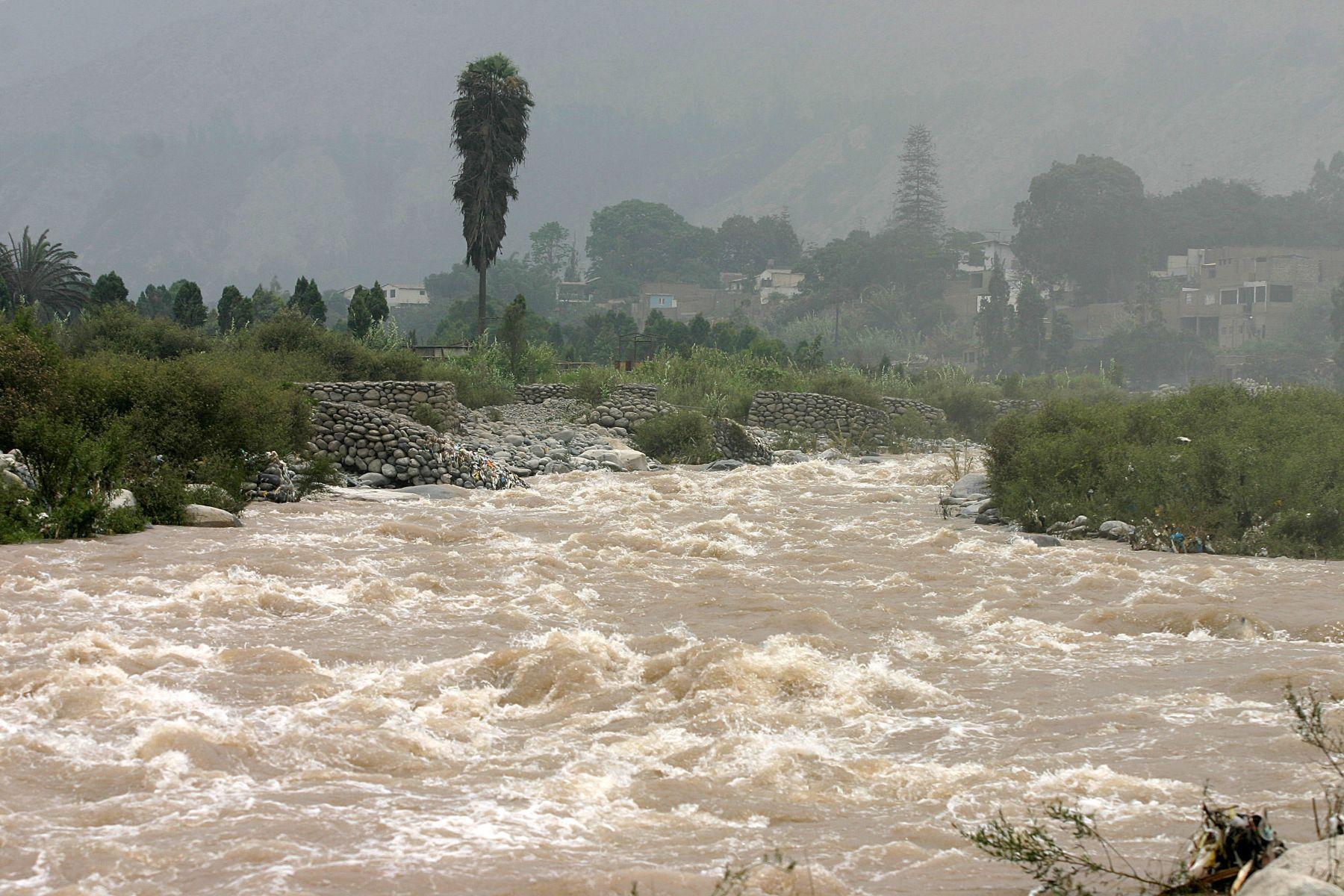 Los caudales de varios ríos se han intensificado por las lluvias. Foto: ANDINA/ archivo
