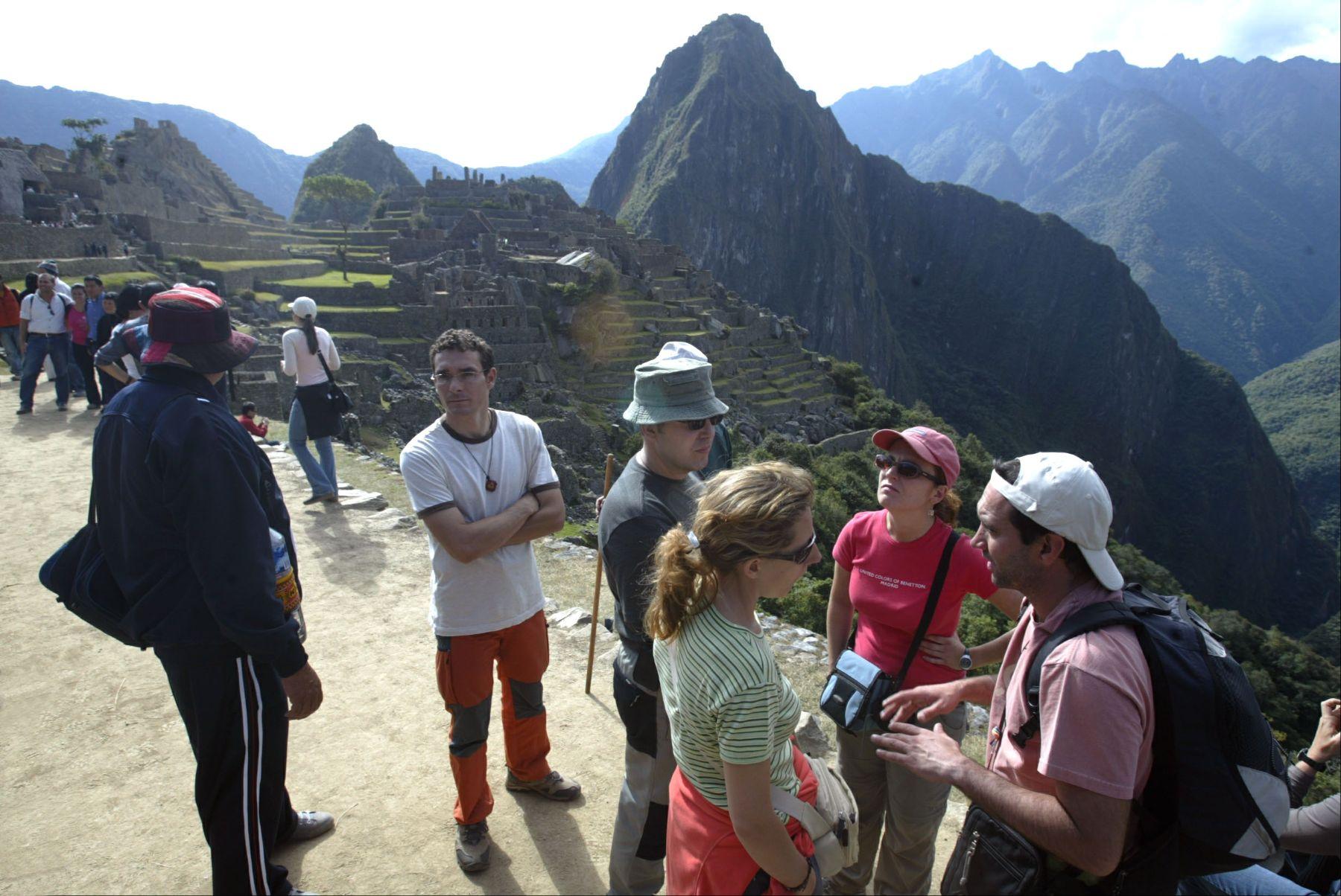 Turistas en la ciudadela de Machu Picchu. ANDINA/archivo