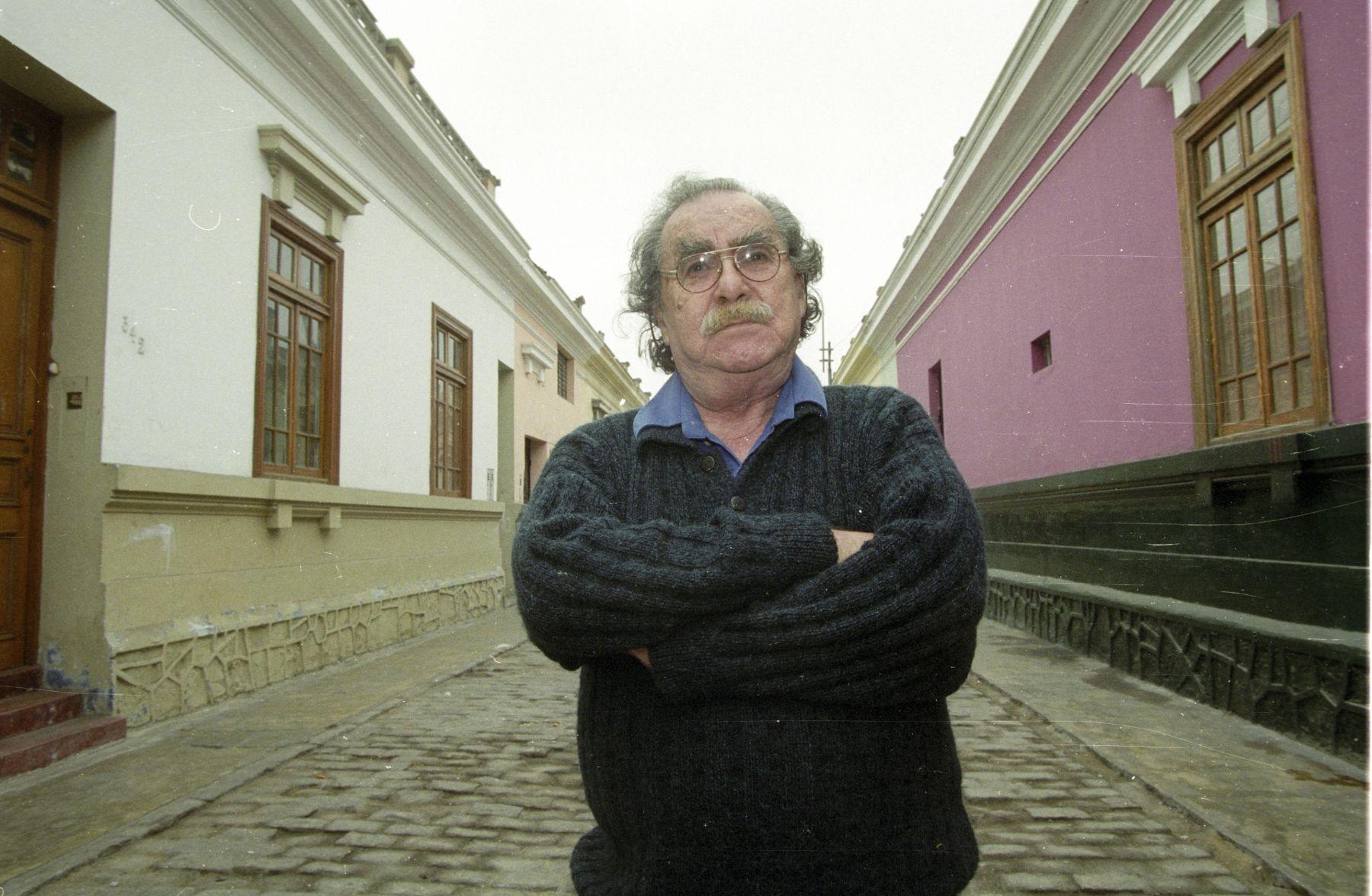 Escritor José B. Adolph.