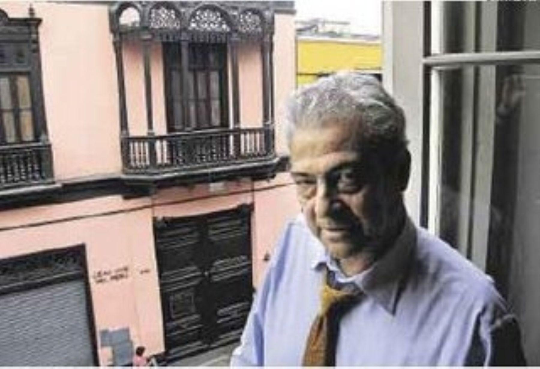 Peruvian poet Antonio Cisneros.