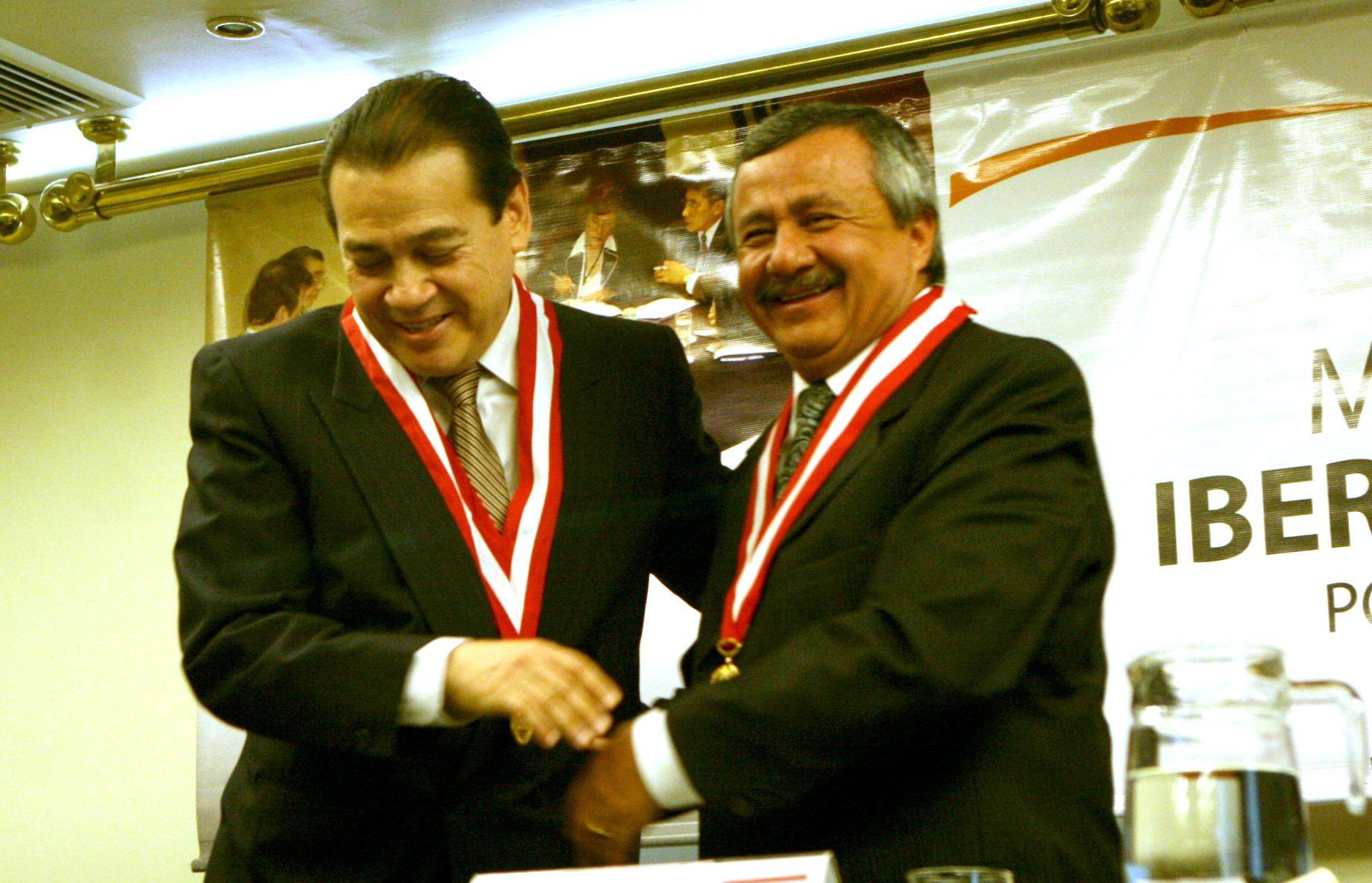 El presidente del Poder Judicial, Enrique Mendoza, y titular del Jurado Nacional de Elecciones,  Francisco Távara. ANDINA/archivo