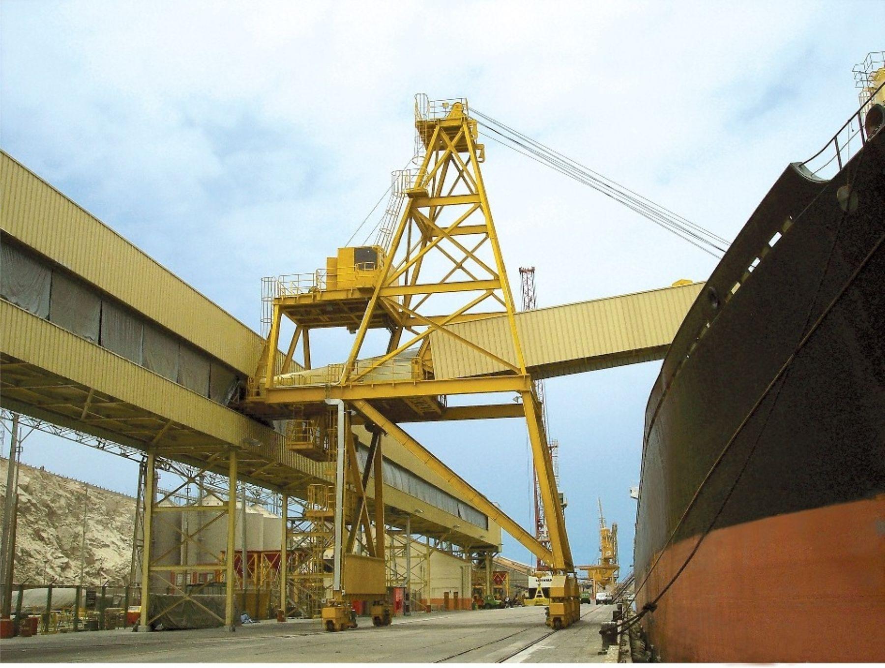 En la bahía de Chancay se construirá un muelle para embarcar minerales.