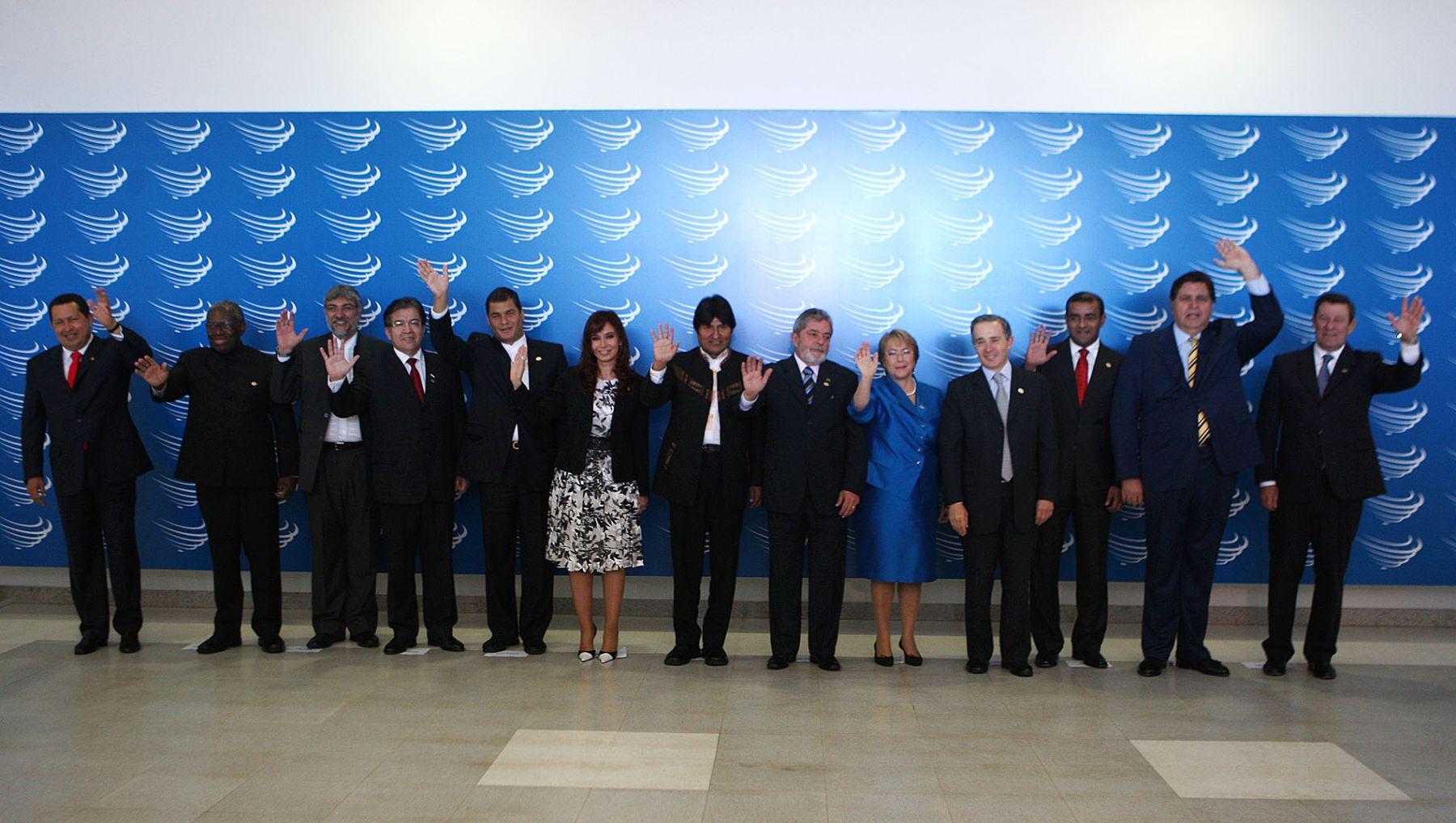 Foto oficial de los presidentes asistentes a la Cumbre de Unasur. Foto: ANDINA.