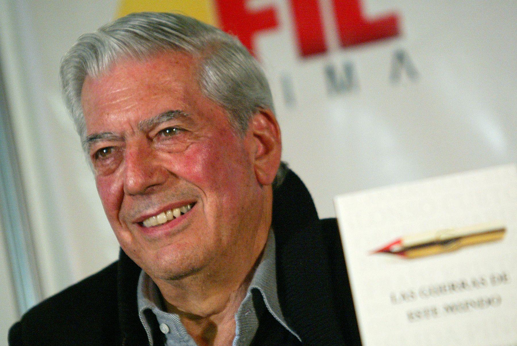 Nóbel de Literatura Mario Vargas Llosa será homenajeado por Universidad Mayor de San Marcos donde estudió Literatura y Derecho. Foto: ANDINA/Archivo
