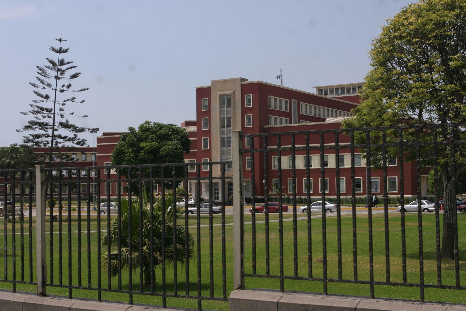 Hospital Naval. Foto: ANDINA/Héctor Vinces