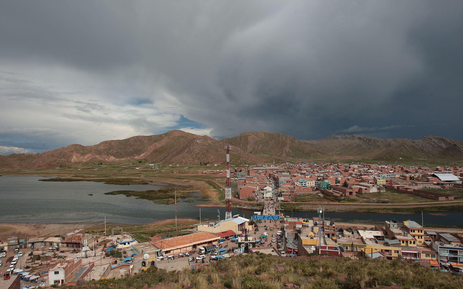 Inundación en Desaguadero deja damnificados y provoca daños en ...