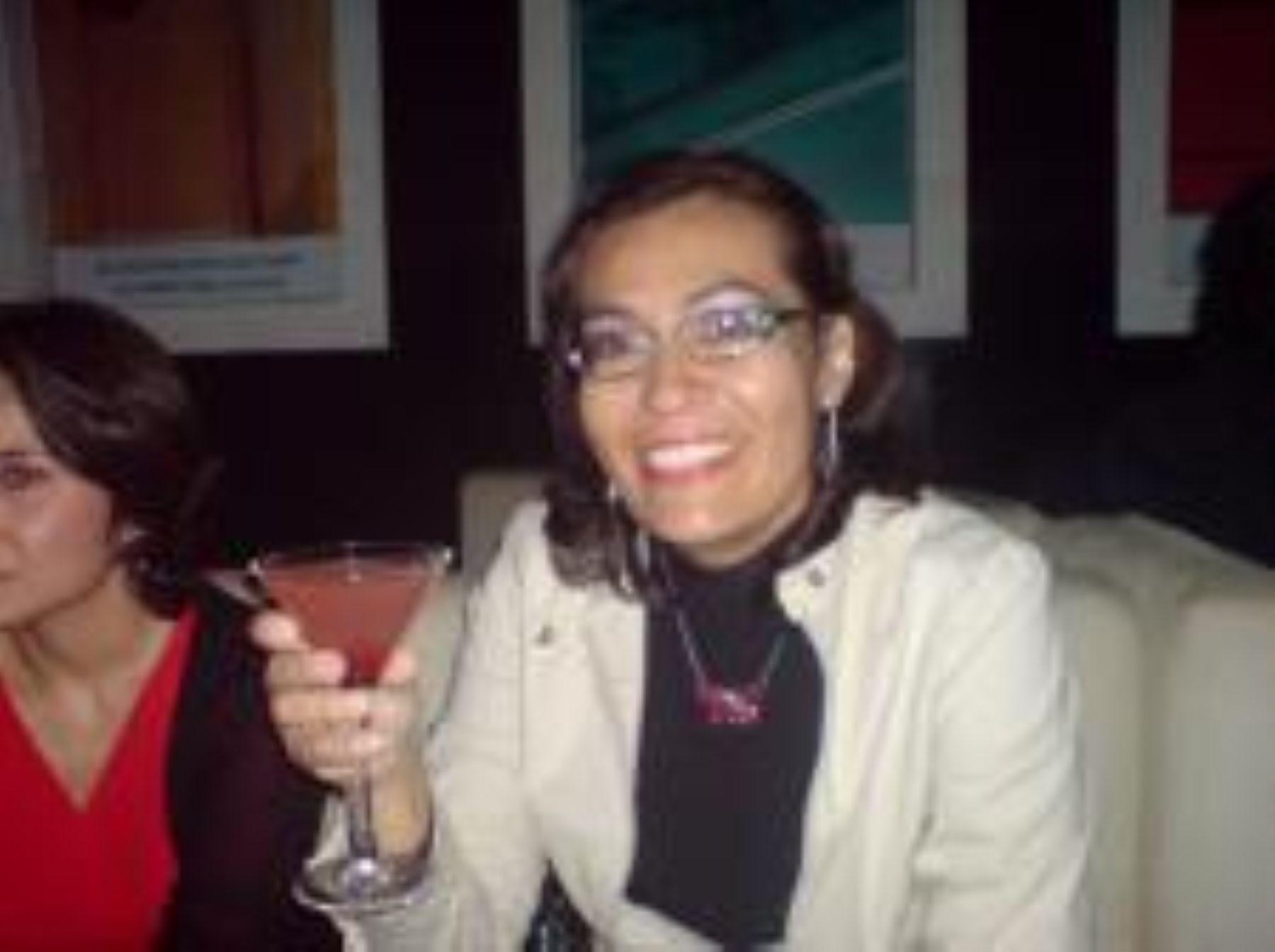 Gina Gabriela Ascarrunz en foto de archivo. Víctima de una mal aplicada orinoterapia (foto Sonico)
