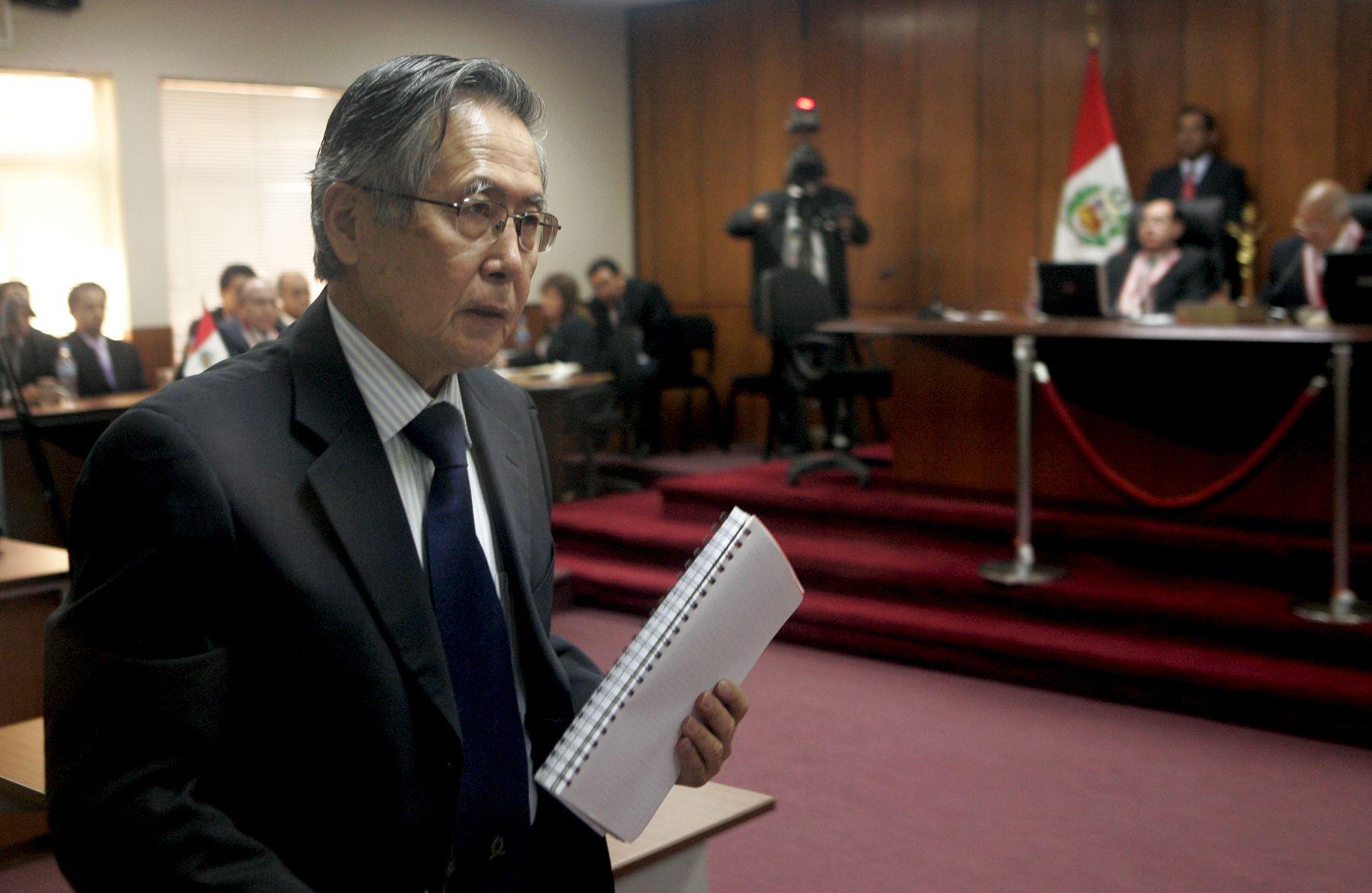 El ex presidente Alberto Fujimori al culminar la lectura de la sentencia de 25 años que le impuso la Corte Suprema de Justicia. Foto: ANDINA/Rafael Cornejo.