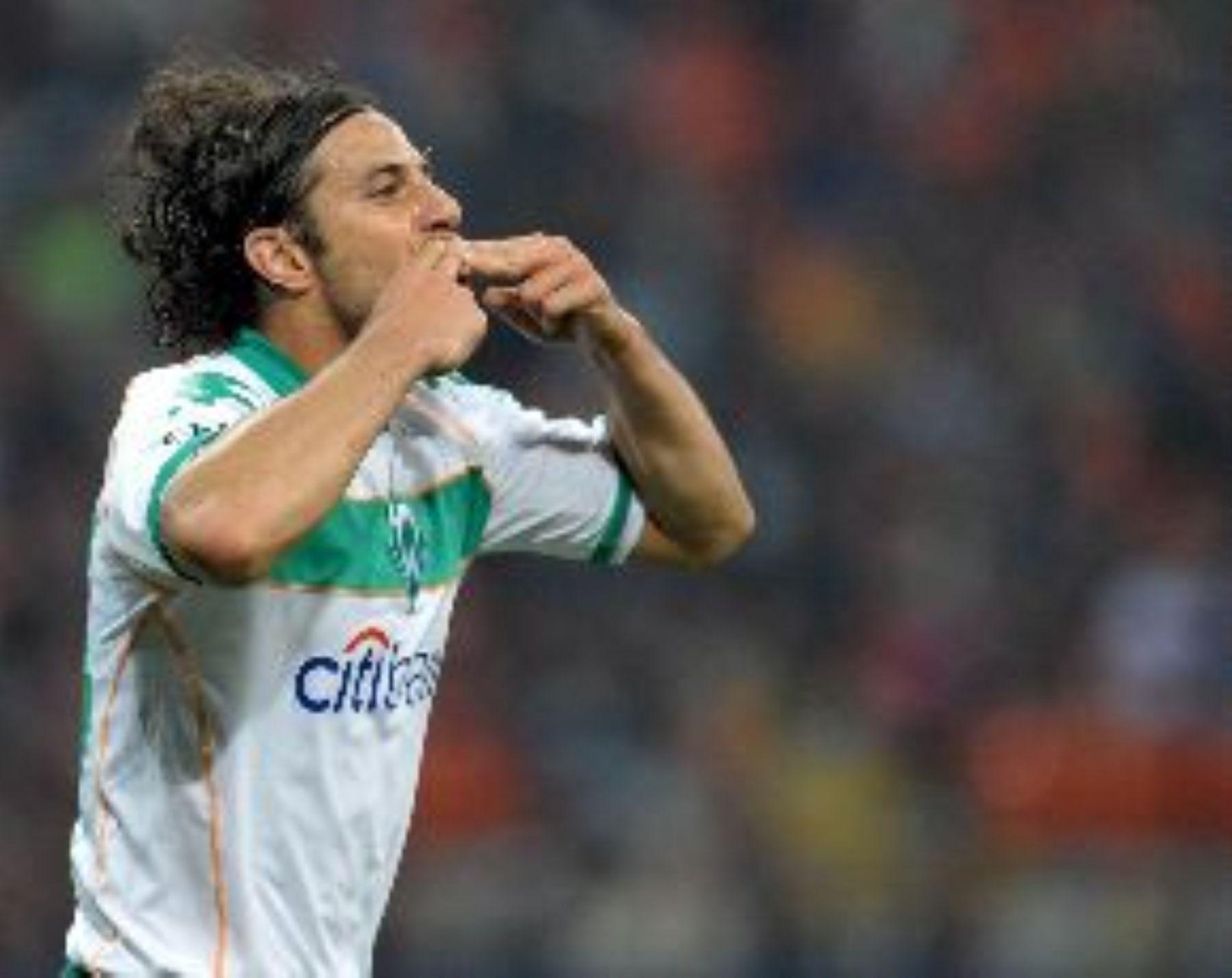 delantero peruano Claudio Pizarro.