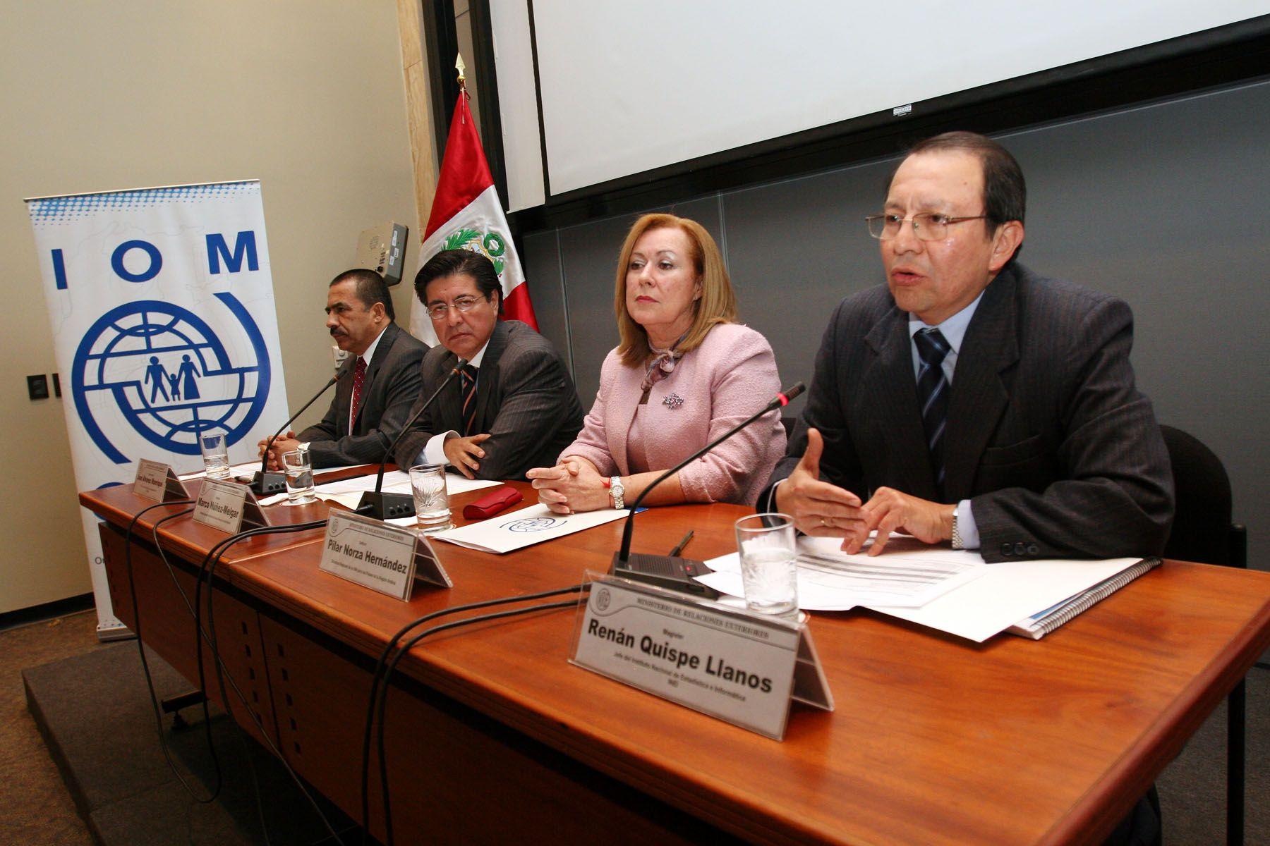 """Presentación de estudio """"Perú estadísticas de la migración internacional de peruanos 1990-2008"""". Foto: ANDINA / Carolina Urra"""