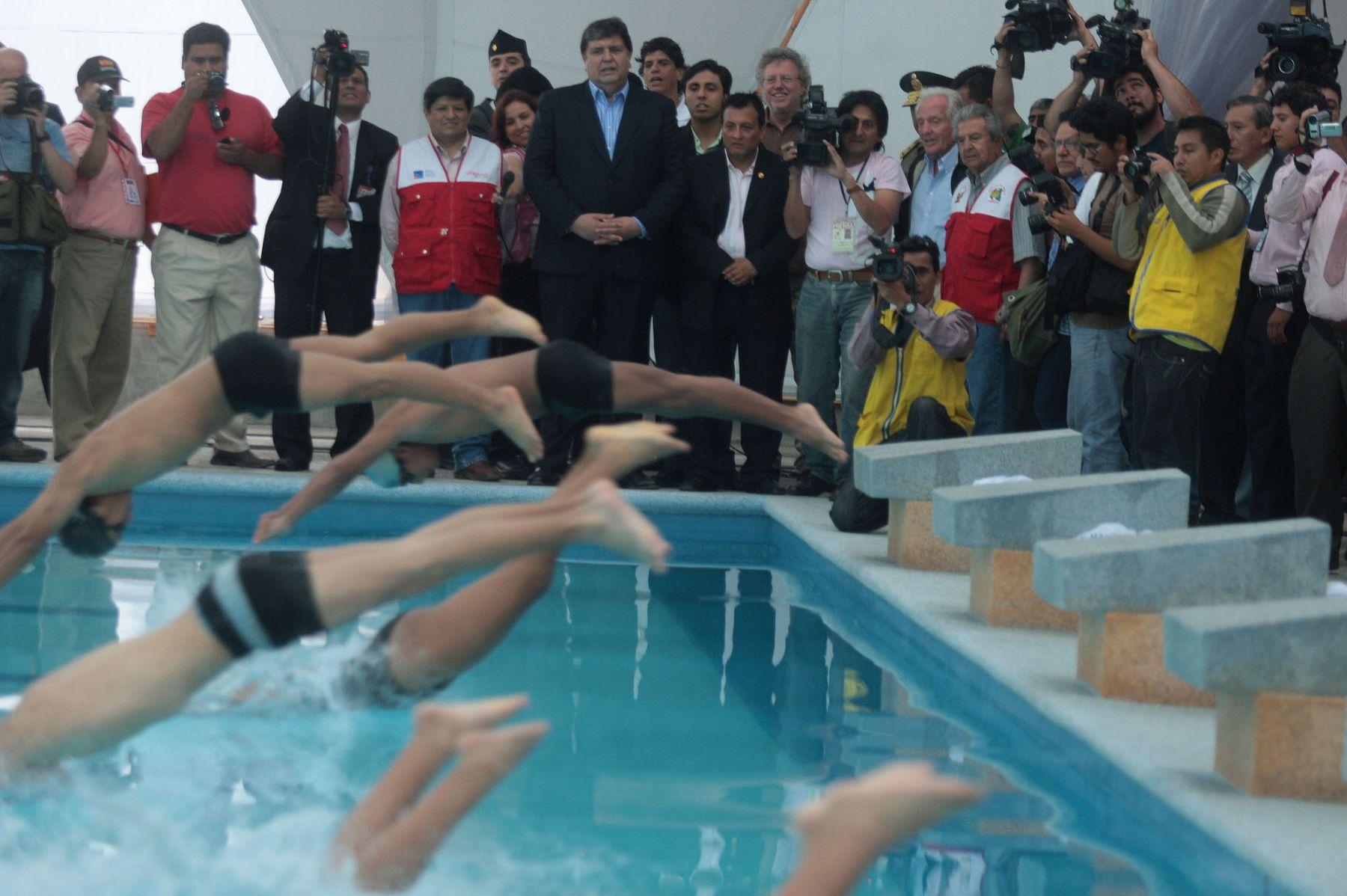 El Presidente Alan García Pérez inauguró el remodelado complejo deportivo Andrés Avelino Cáceres en Villa María del Triunfo.Foto: ANDINA/Juan Carlos Guzmán Negrini.