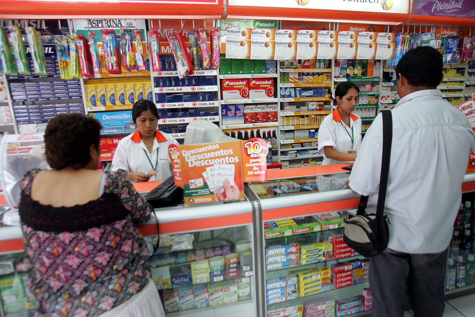 En 30 días farmacias ofrecerán lista de medicamentos al público y en tres meses empezarán las sanciones por incumplimiento. Foto: ANDINA/archivo.