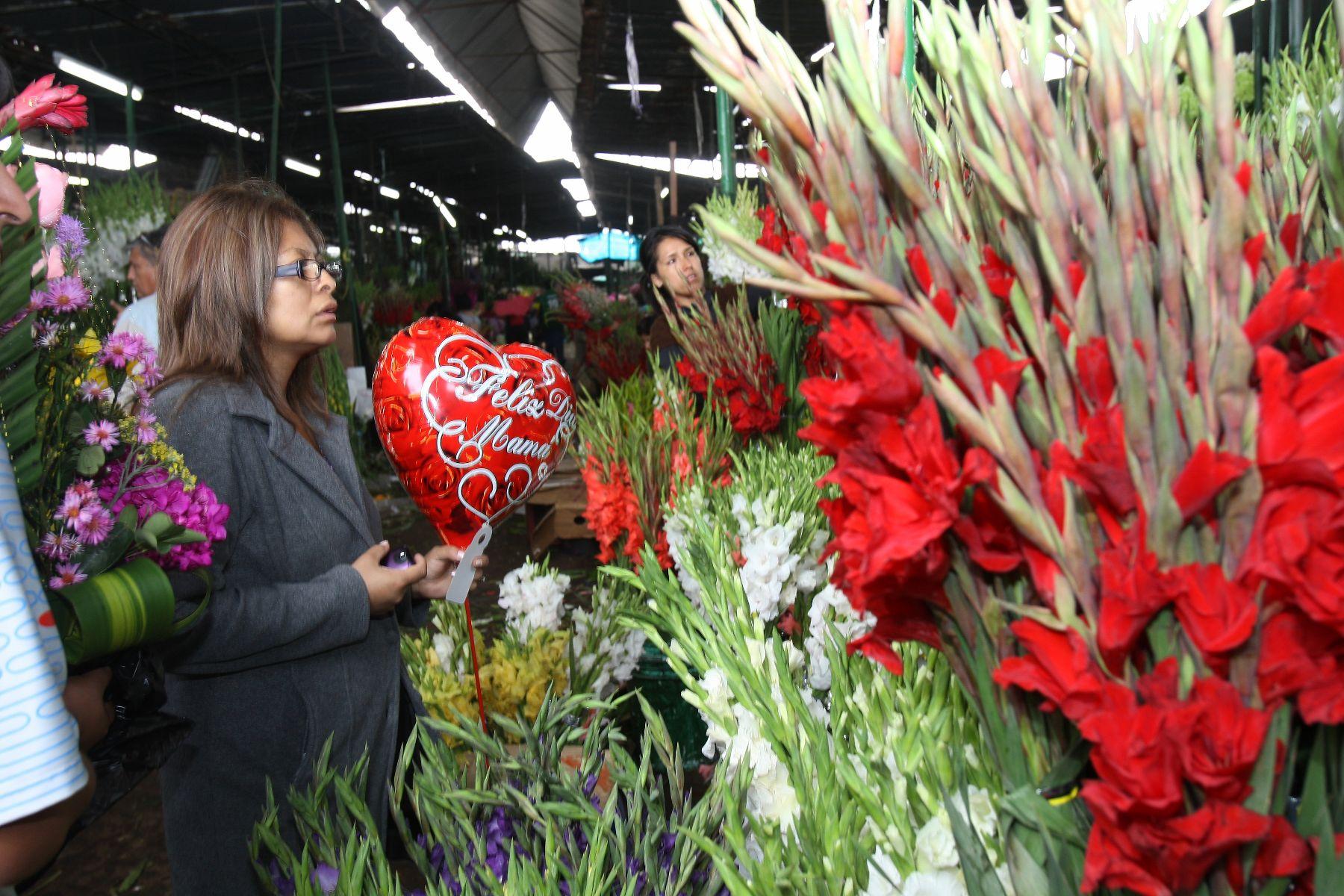 Mercado De Flores Santa Rosa Del Rímac Atiende Las 24 Horas
