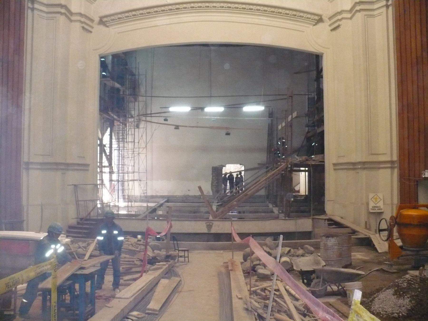Trabajos de remodelación del Teatro Municipal de Arequipa. Foto: Andina/Rocío Méndez.