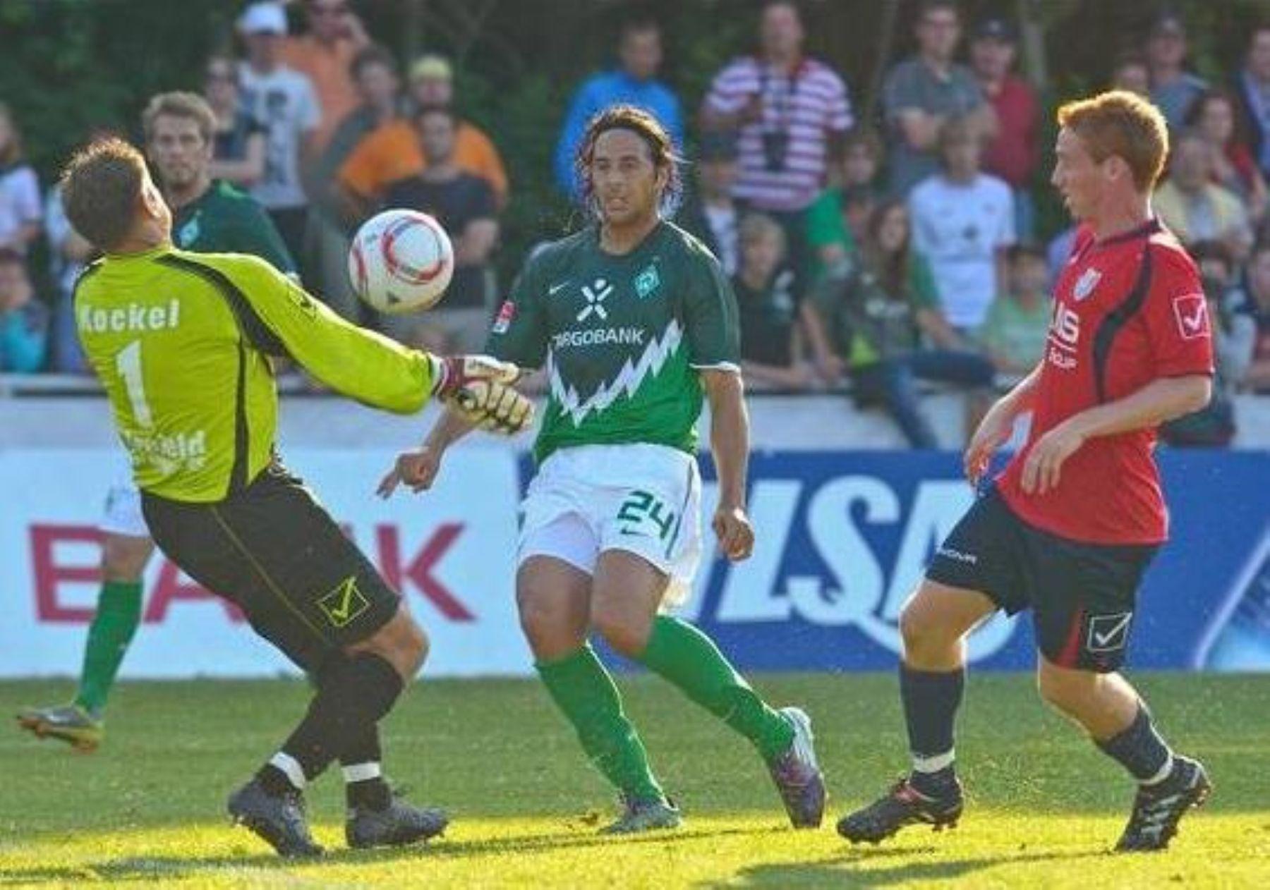 Peruanos Corzo, Barros y Pizarro alternaron en partido de ...
