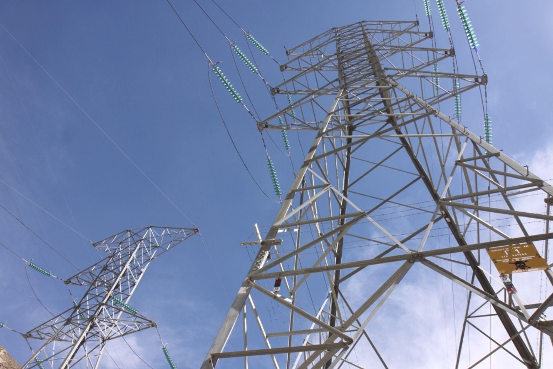Línea de transmisión de energía eléctrica. ANDINA/Difusión