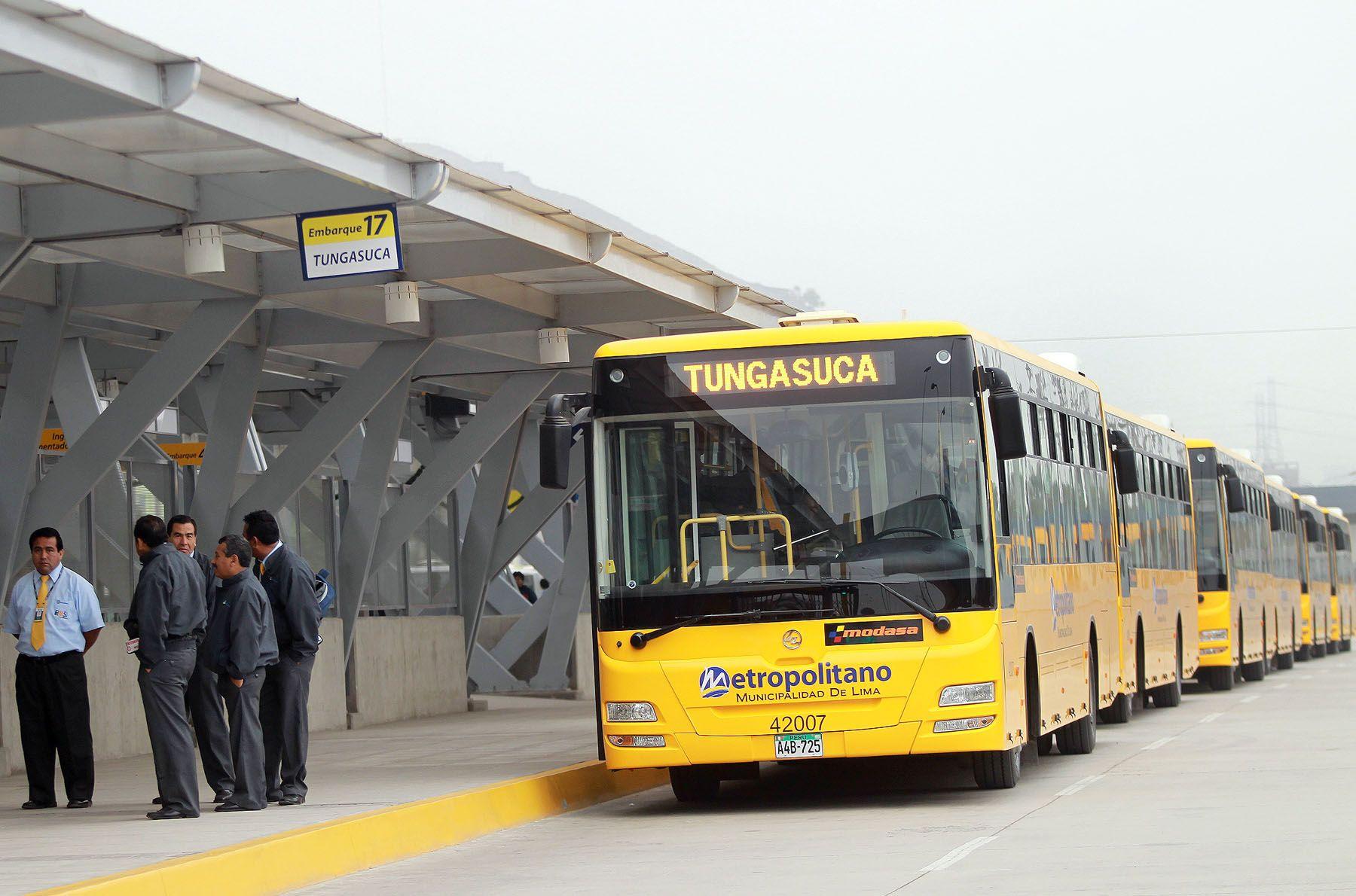 Servicios alimentadores de El Metropolitano también saldrán desde Puente Piedra y Villa El Salvador. ANDINA/Carlos Lezama.