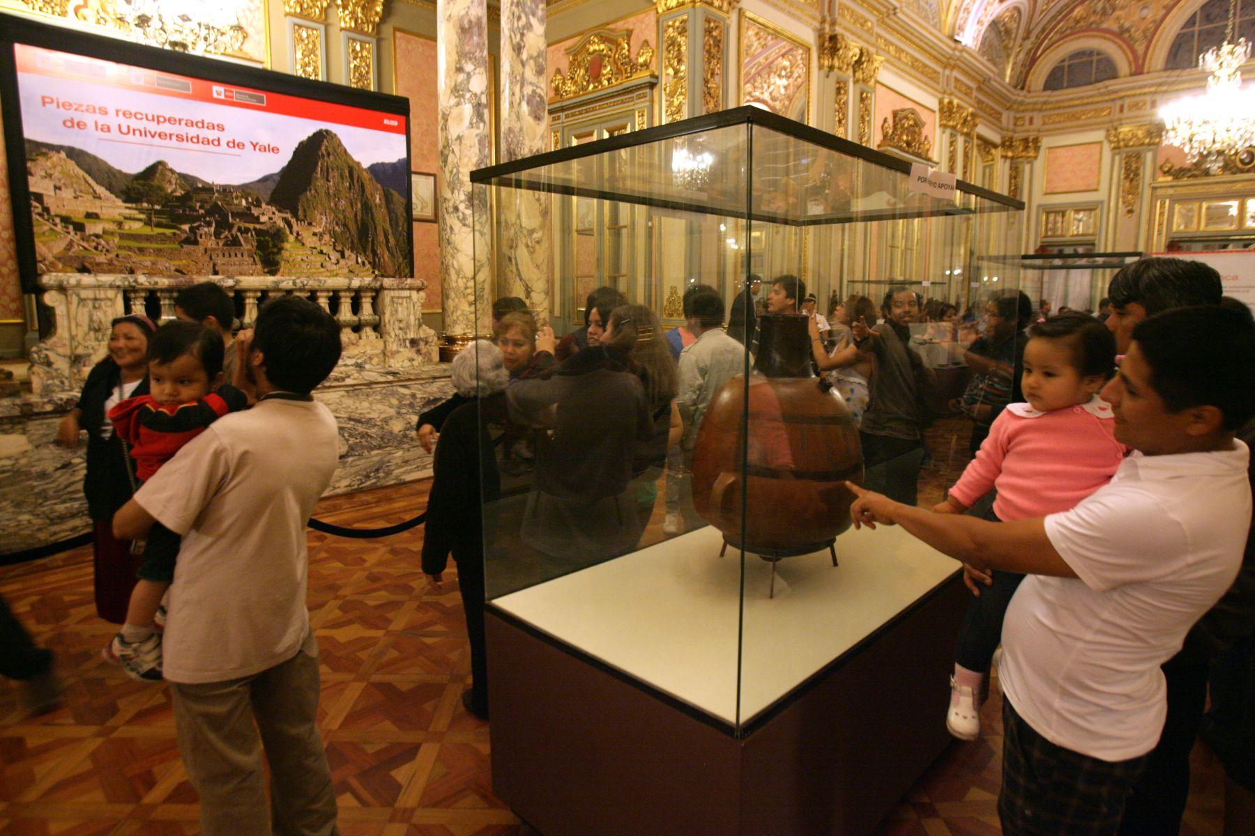 Exposición de las piezas devuelta por Yale encontradas en Machu Picchu ANDINA/archivo