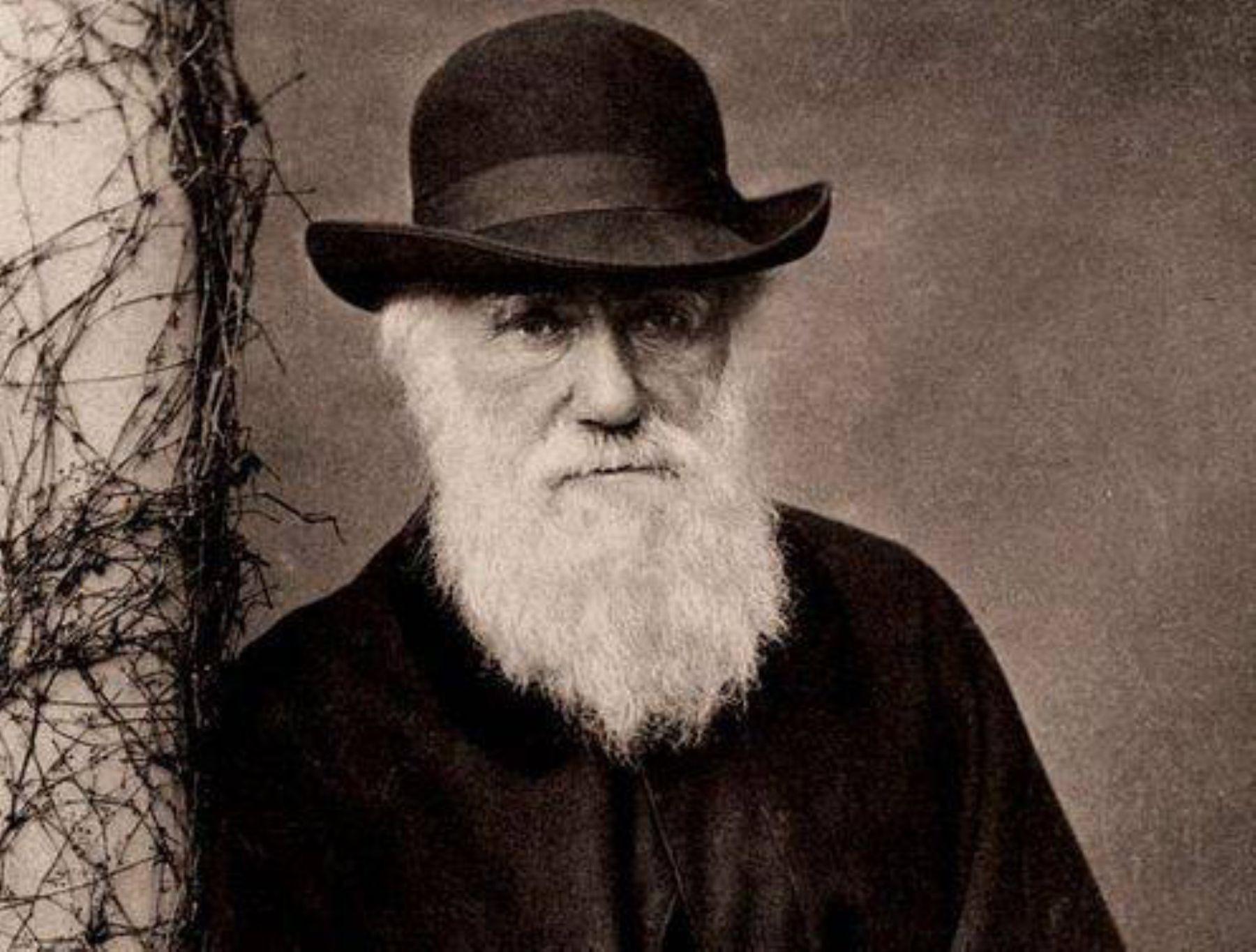INTERNACIONAL | Roban 2 valiosos cuadernos de Darwin en Cambridge