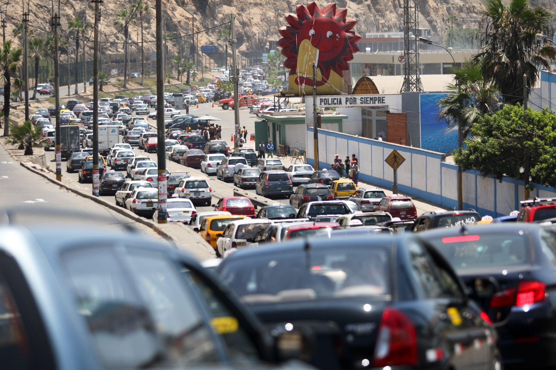 Big data ayudará a diseñar un reordenamiento del tráfico de las ciudades, a fin de prever congestionamientos. Foto: ANDINA/Héctor Vinces