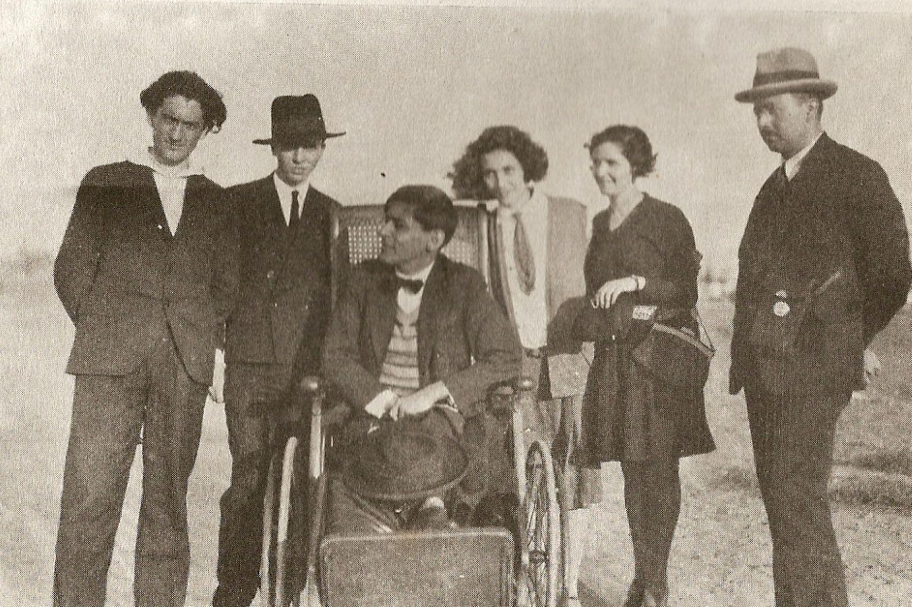 José Carlos Mariátegui en foto familiar. INTERNET/Medios