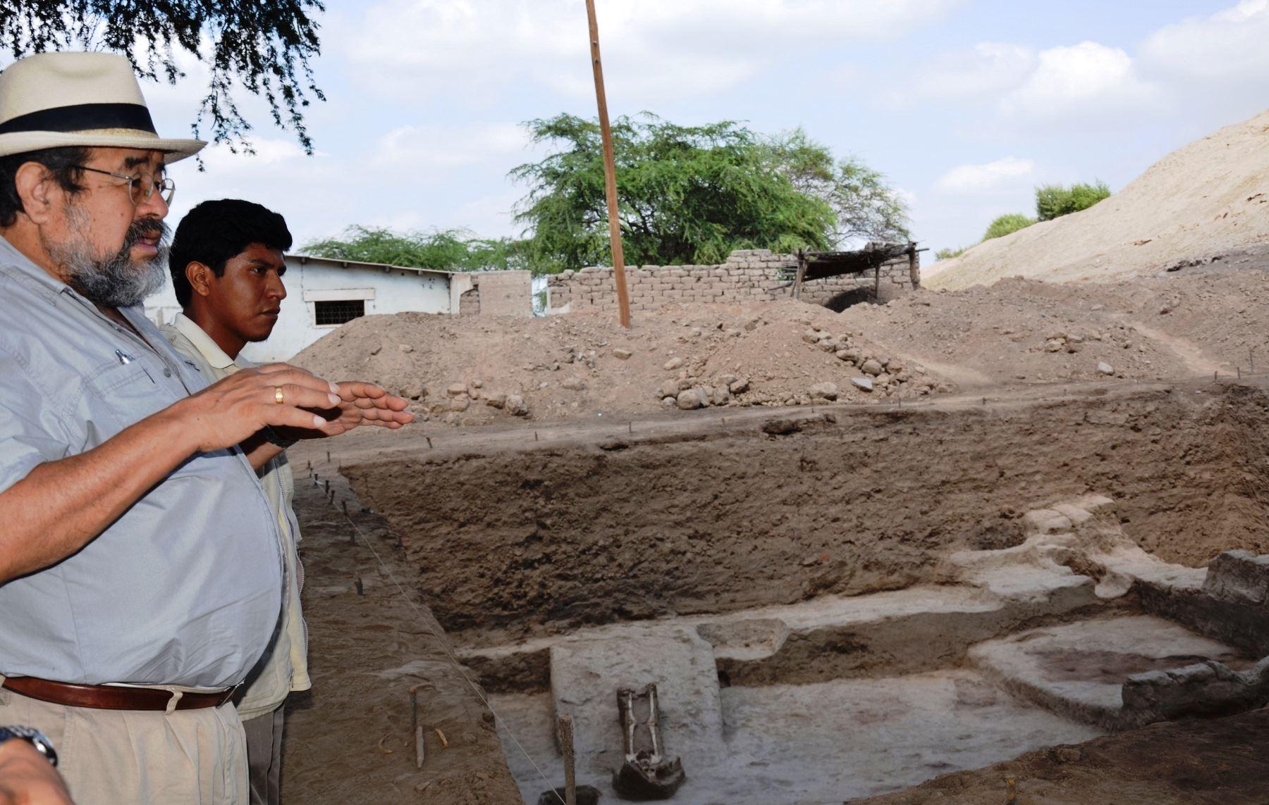 Walter Alva asesoró las investigaciones que encabezó el arqueólogo Edgar Bracamonte en la huaca Santa Rosa de Pucalá. ANDINA