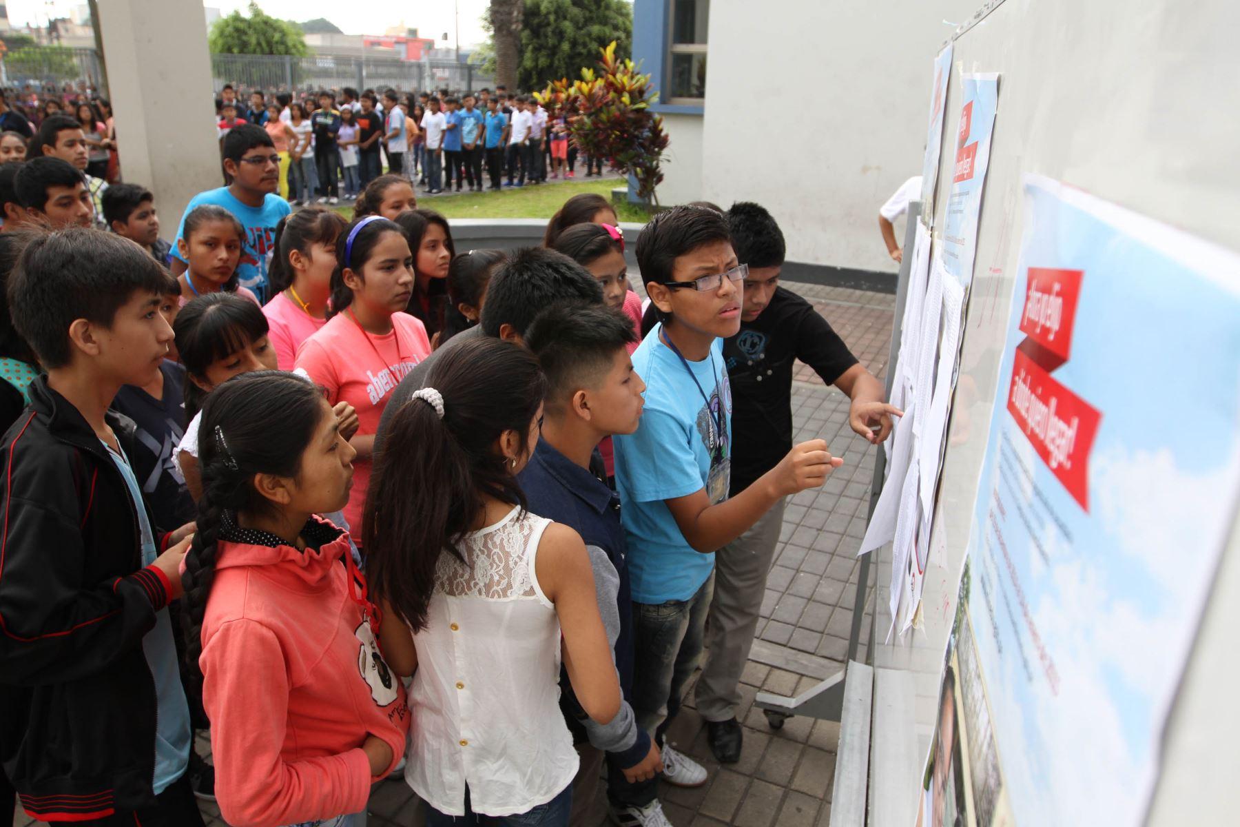 Colegios de alto rendimiento facilitarán postulación de escolares de zonas rurales, anuncia el Ministerio de Educación.