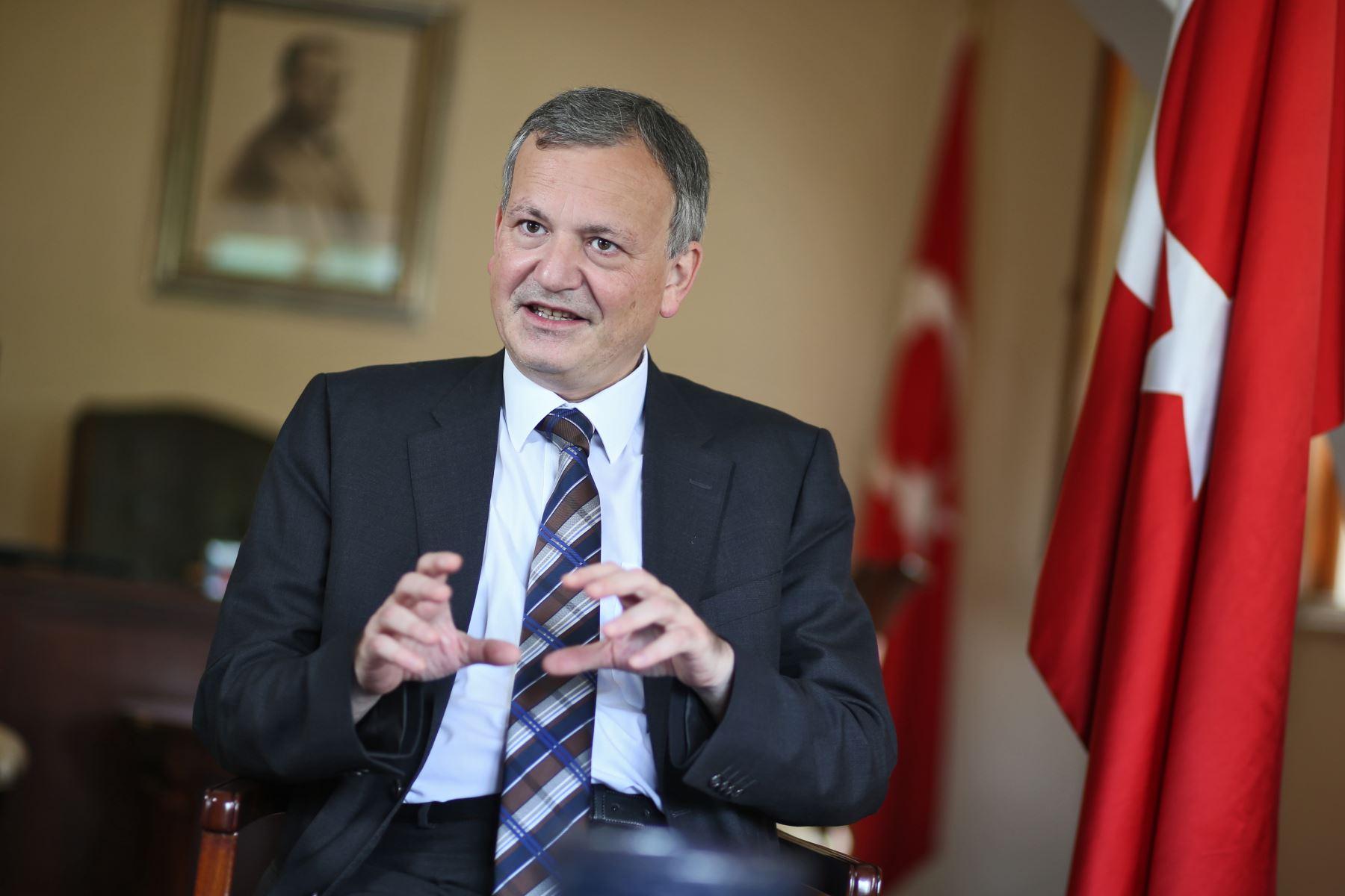 LIMA,PERÚ-FEBRERO 18. Entrevista a Embajador de Turquía en Perú, Ferda Akkerman. Foto: ANDINA/Oscar Farje Gomero.