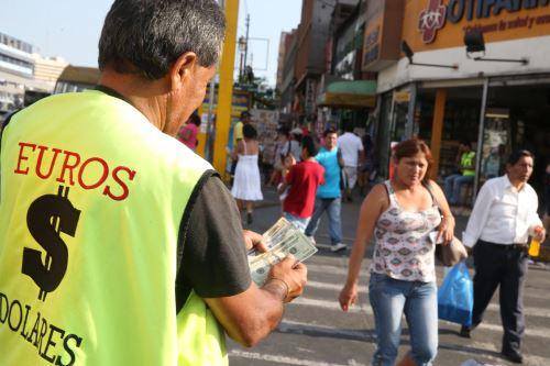 Dólares. Foto: ANDINA/archivo.