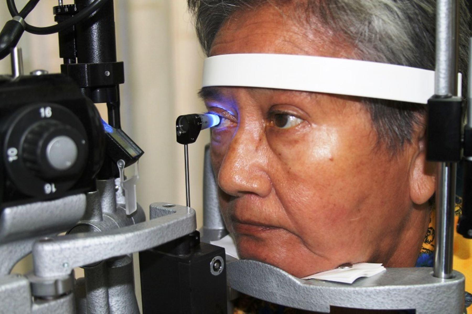 Adultos mayores son las más propensos a padecer glaucoma