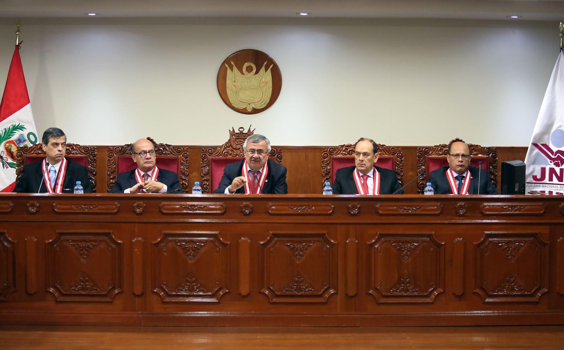 Cortesía Los magistrados integrantes del pleno del Jurado Nacional de Elecciones.