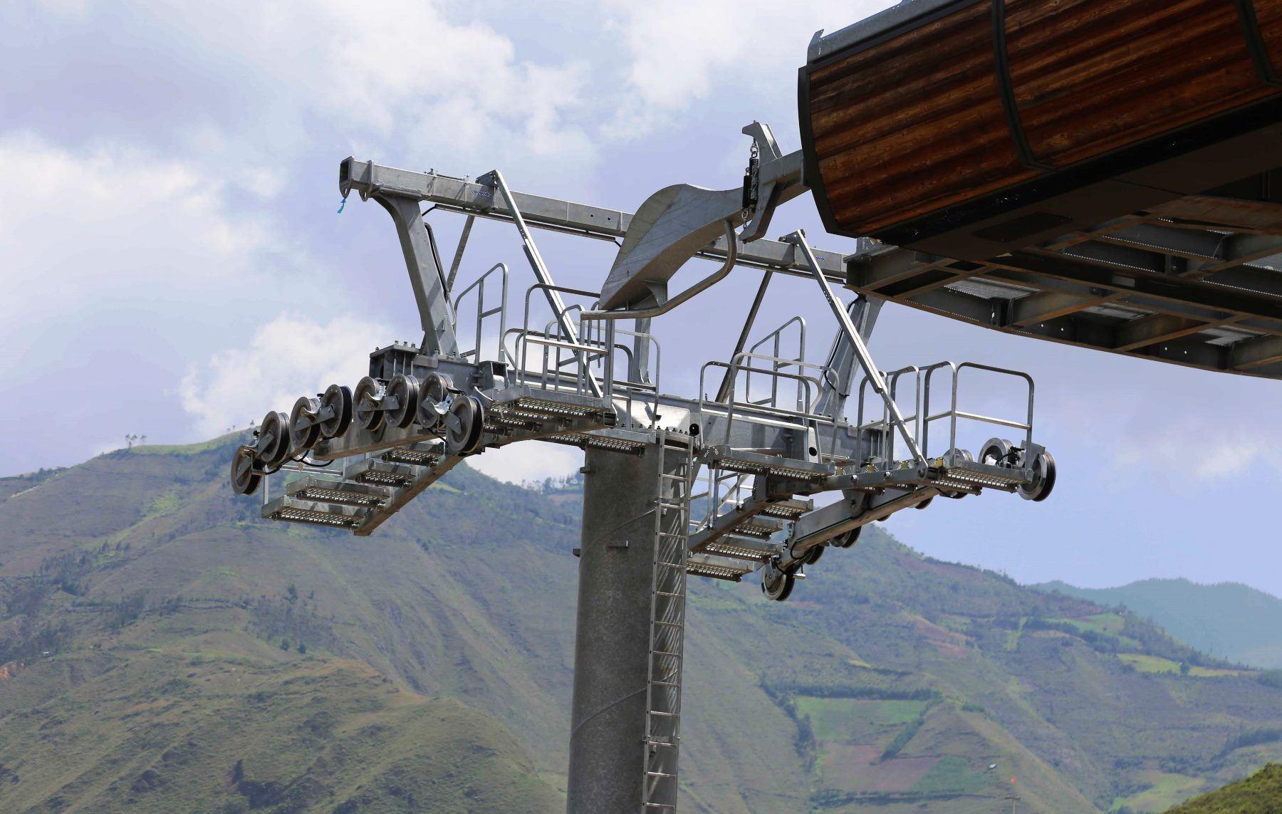 Telecabinas ya se encuentran en Amazonas y se instalarán en el teleférico que se implementa en Kuélap.