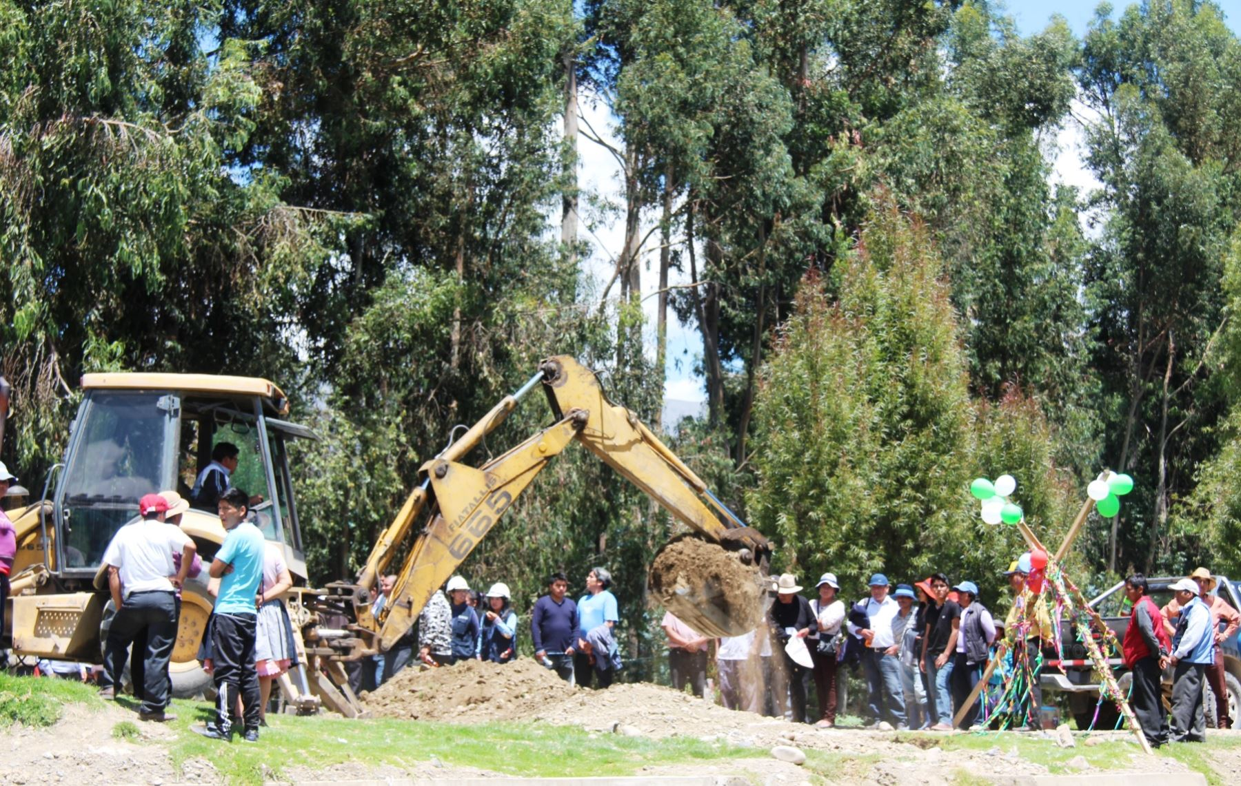Autoridades de Huancayo, Huancán y Huayucachi dieron inicio a las obras de instalación de puente modular. ANDINA/Pedro Tinoco