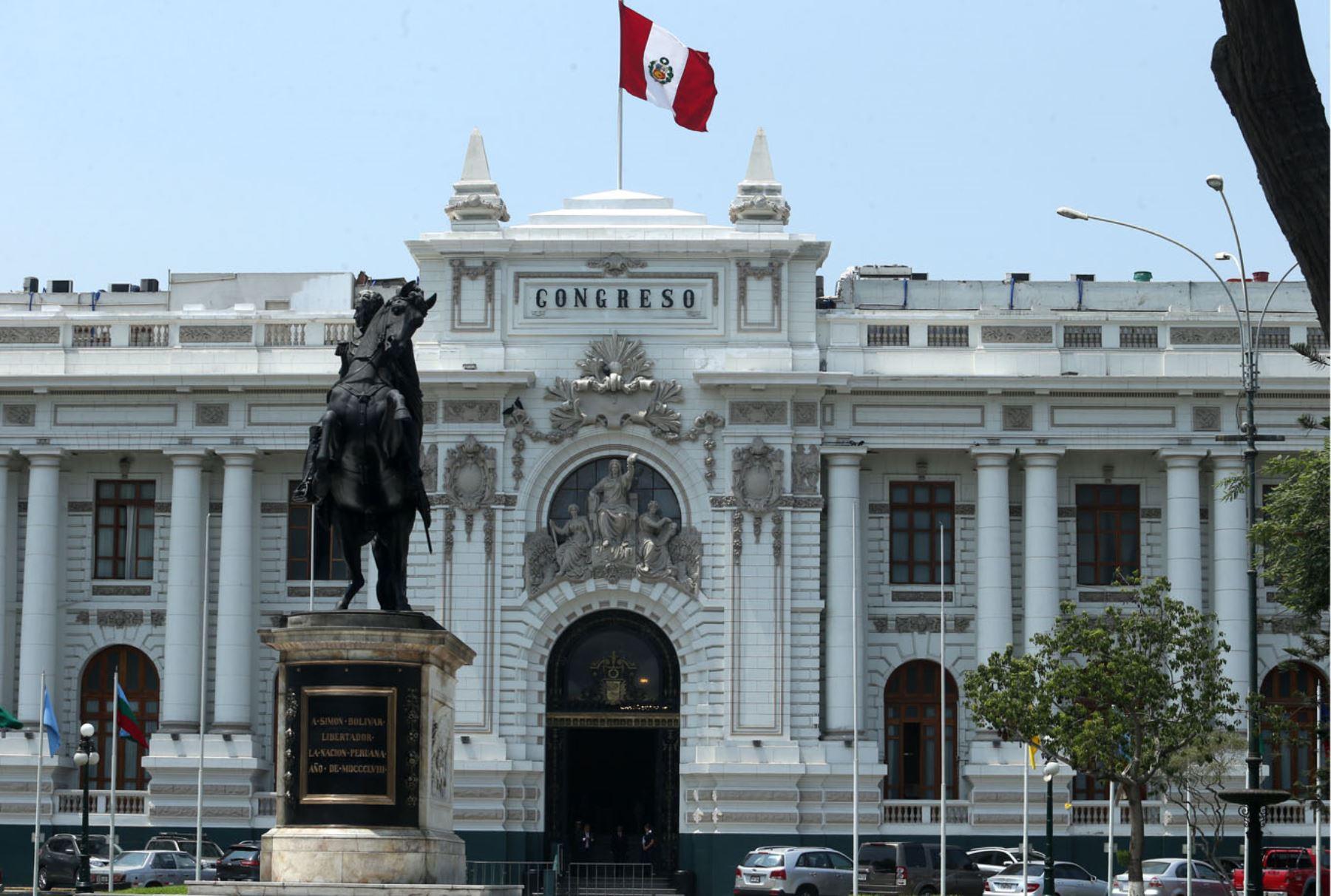 Frontis del Congreso de la República. ANDINA/Melina Mejía